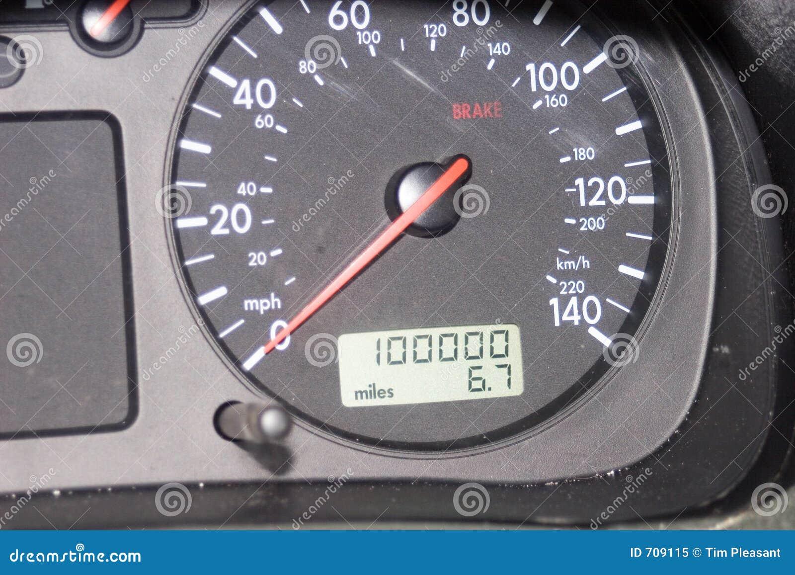 Entfernungsmesser Für Auto : Meilen entfernungsmesser stockbild bild von vorwahlknopf