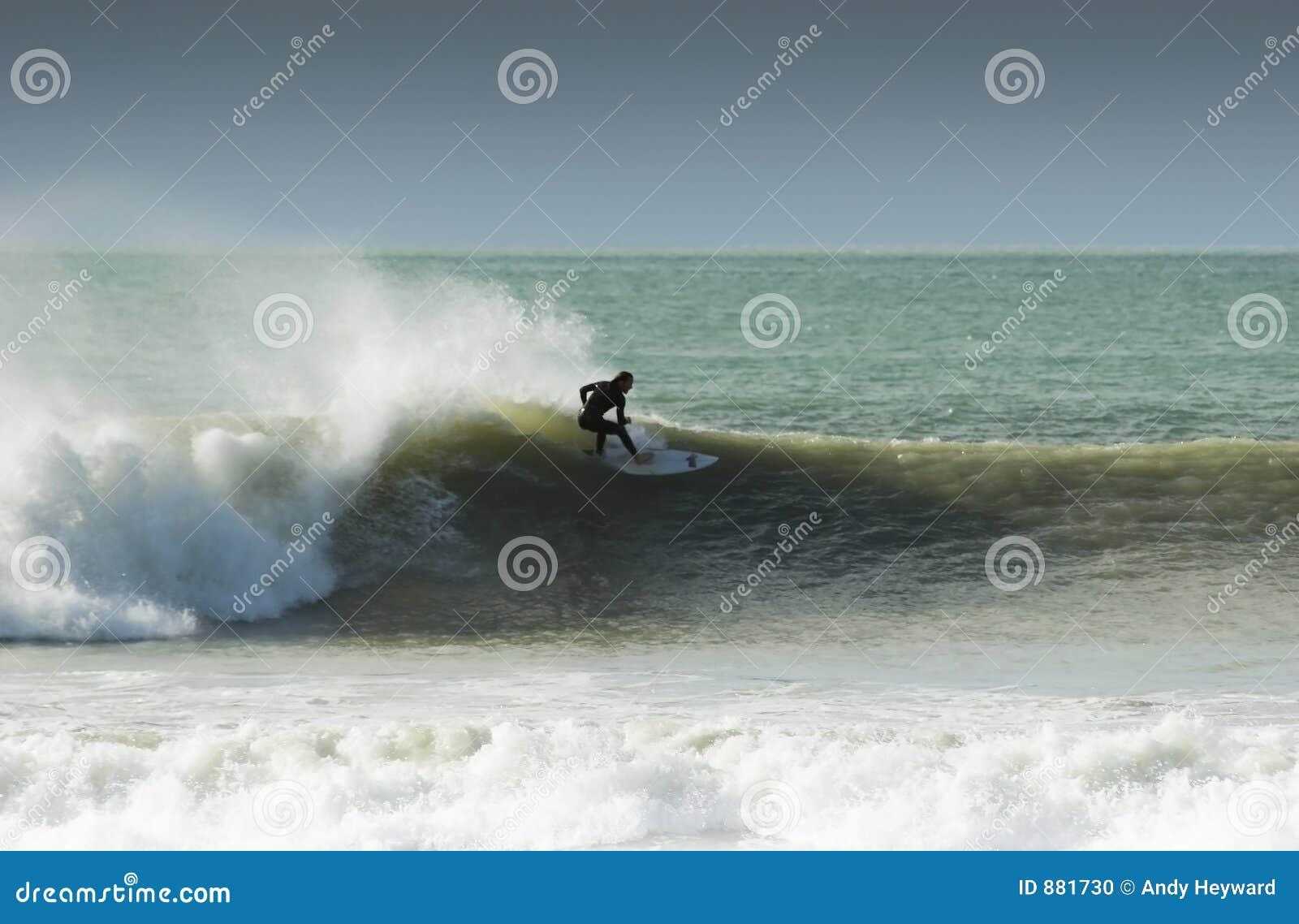 11 surfuje