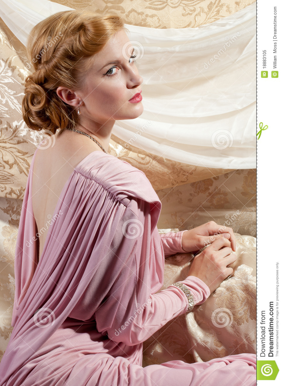 1940s Style Pin-Up Shot Of Beautiful Young Woman Royalty ...