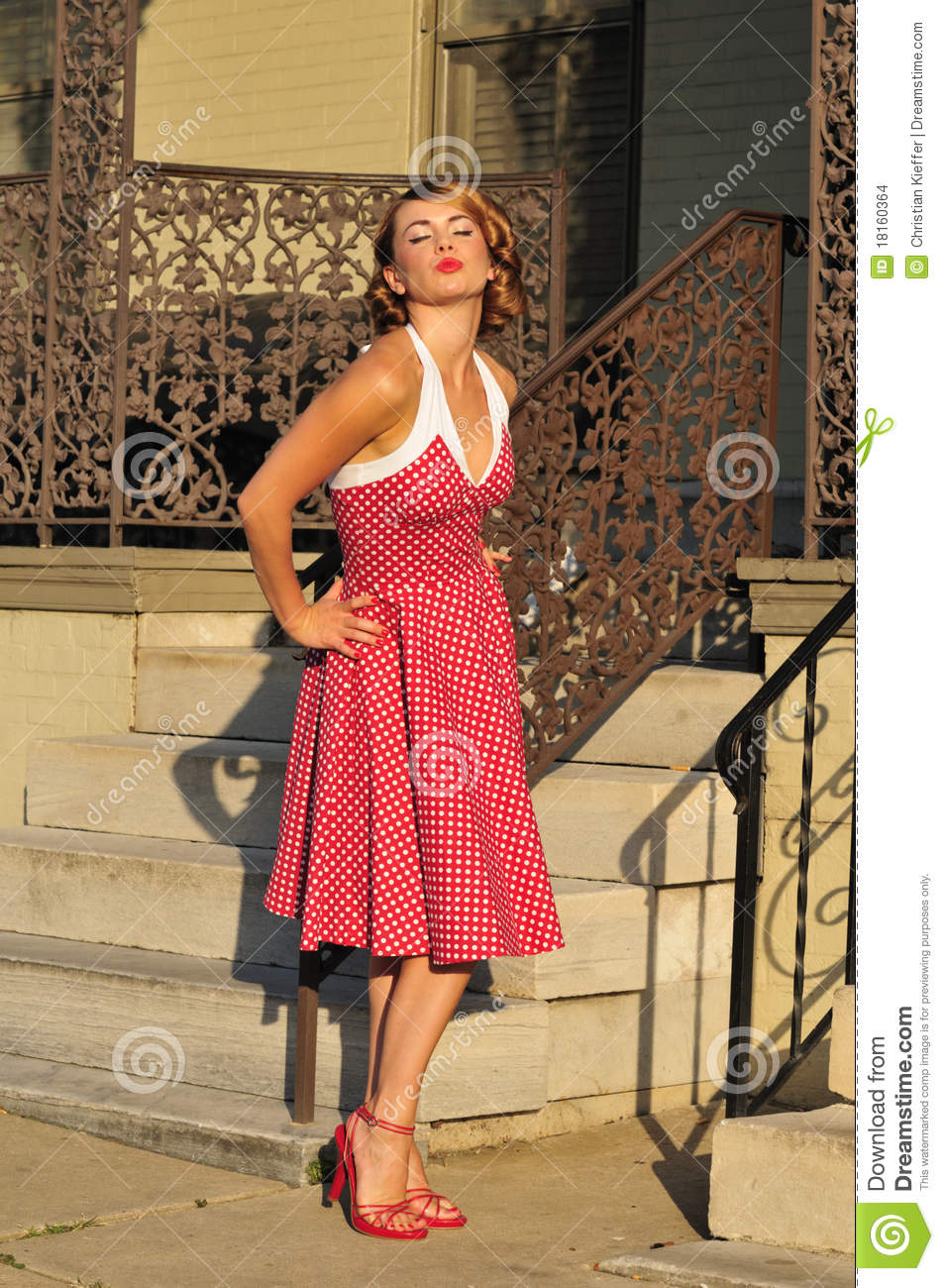 1950S Pinup Girl Blowing A Kiss Stock Images - Image -7571
