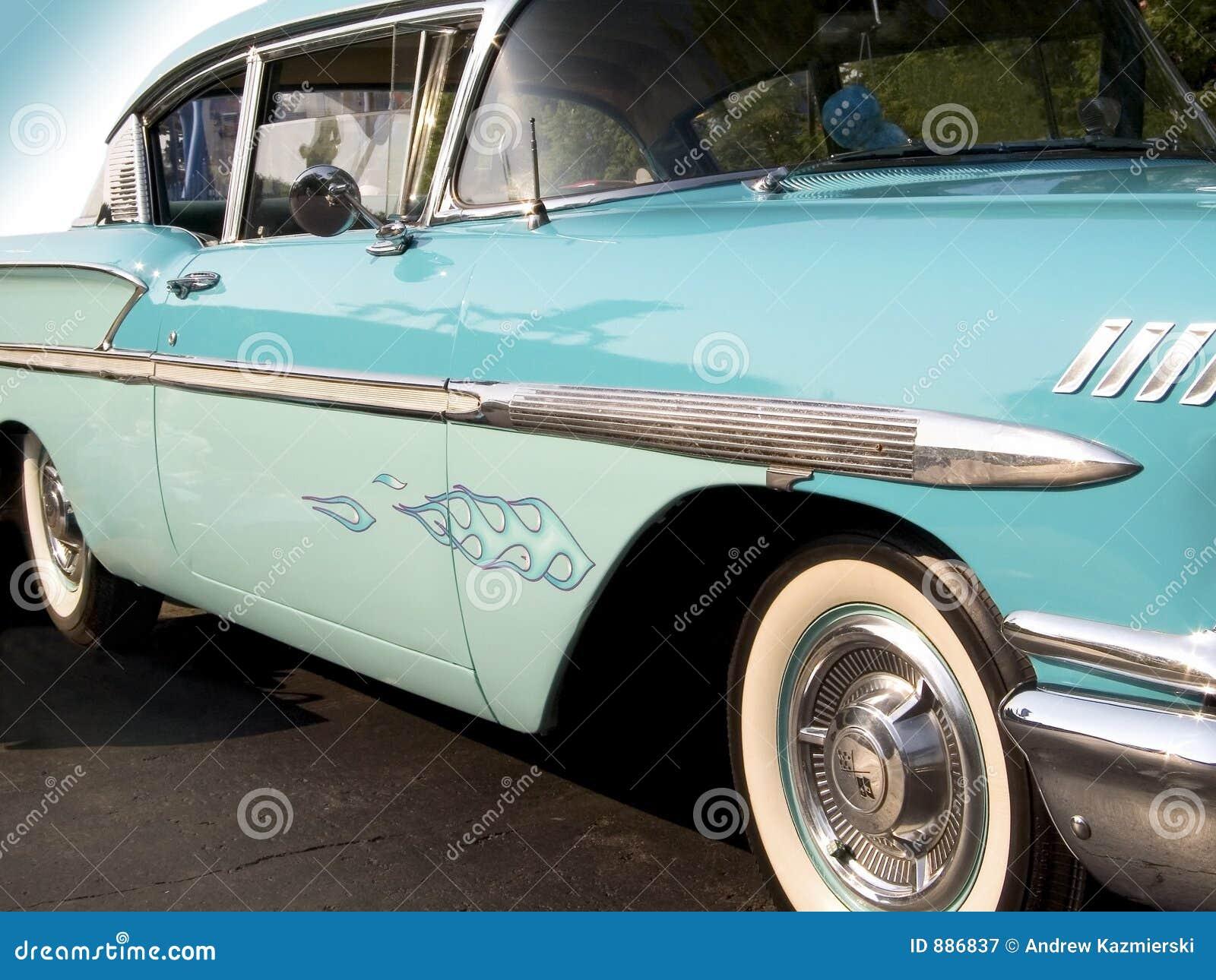 1958 bela powietrza chevy classic