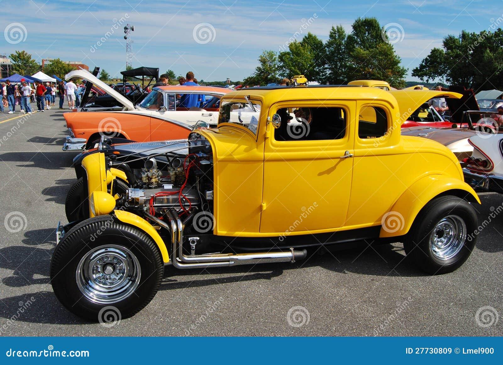 1962 gelbes Ford Kupee 5