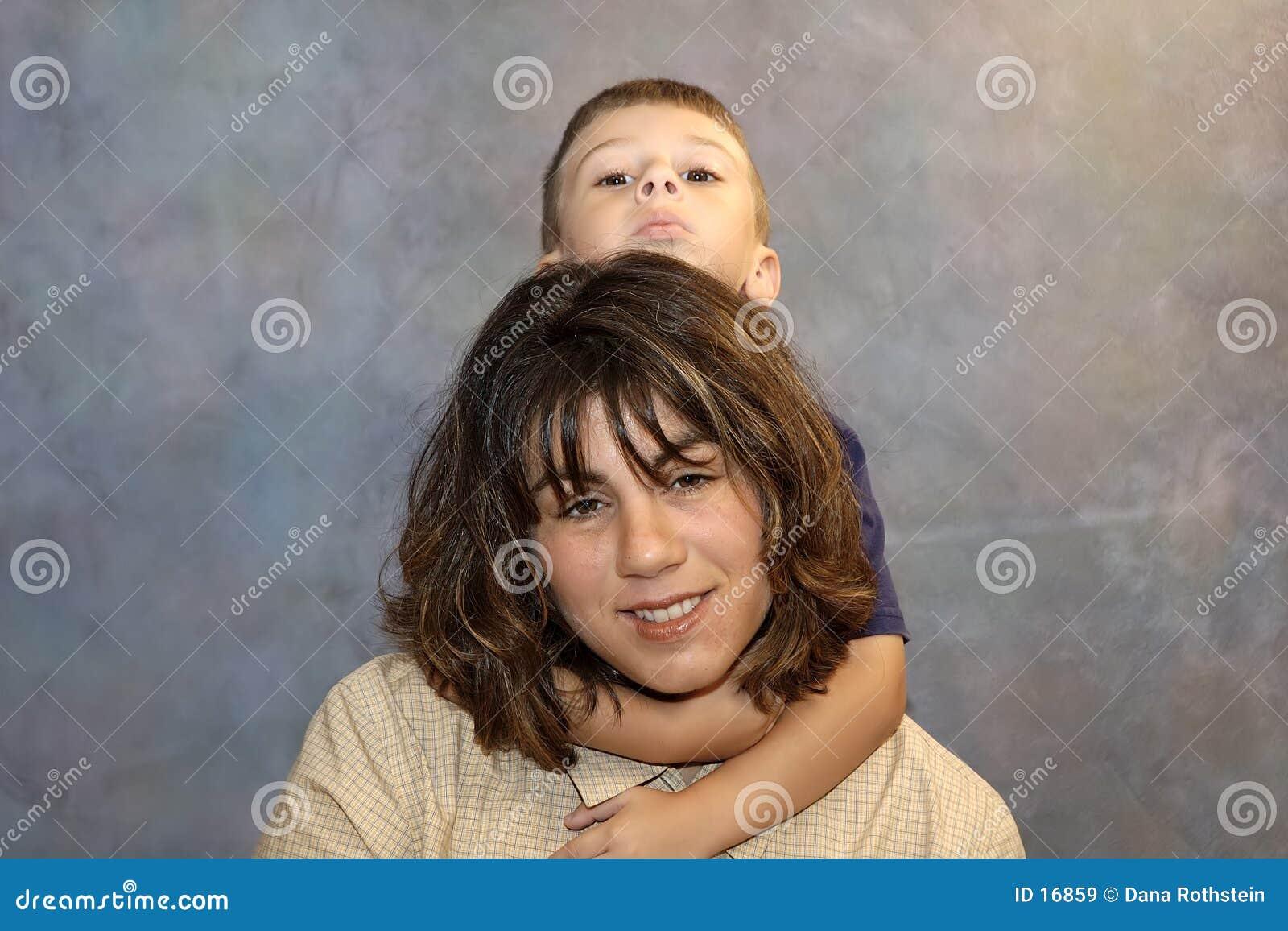 2个母亲儿子