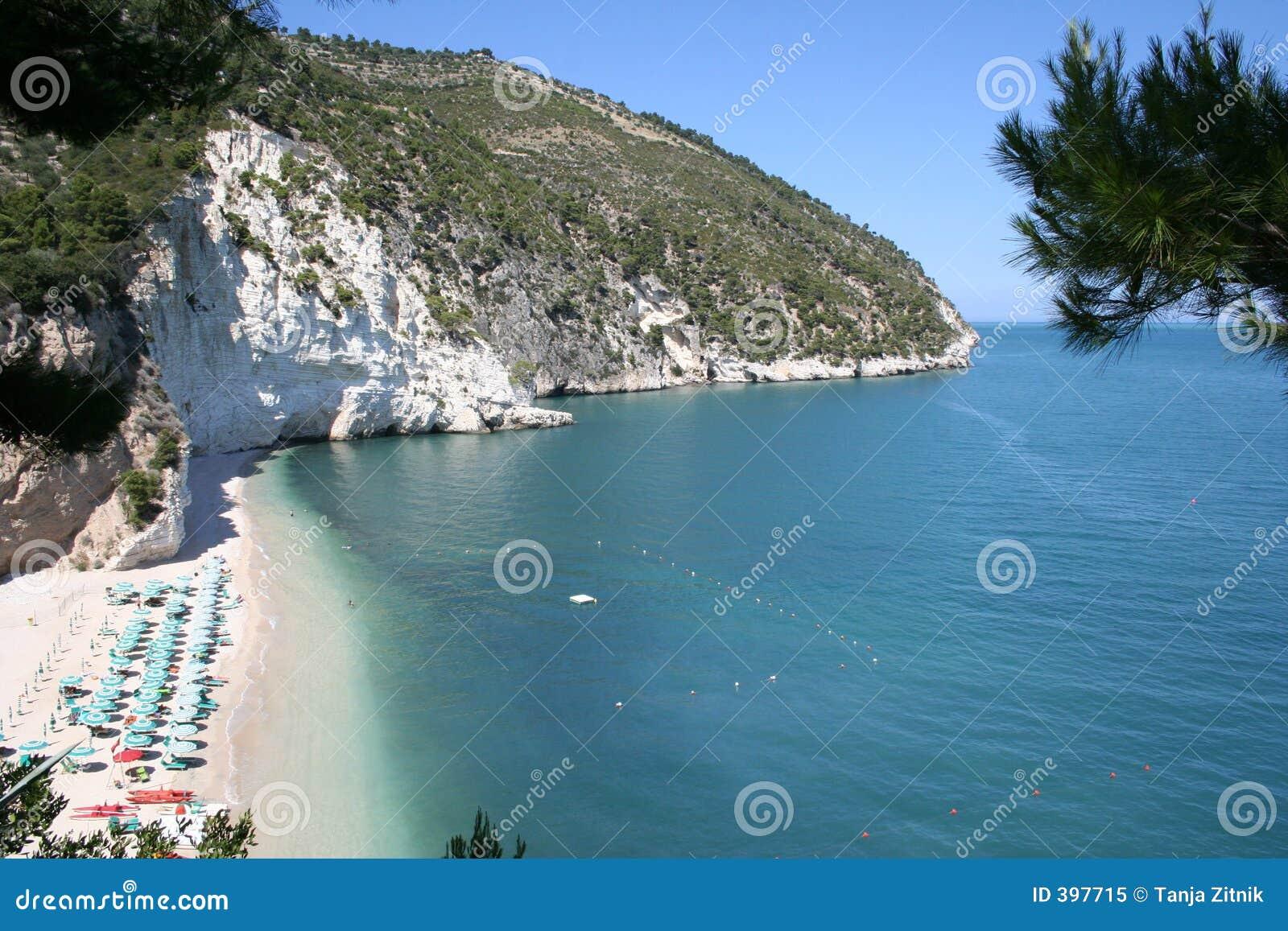 2个海滩白色