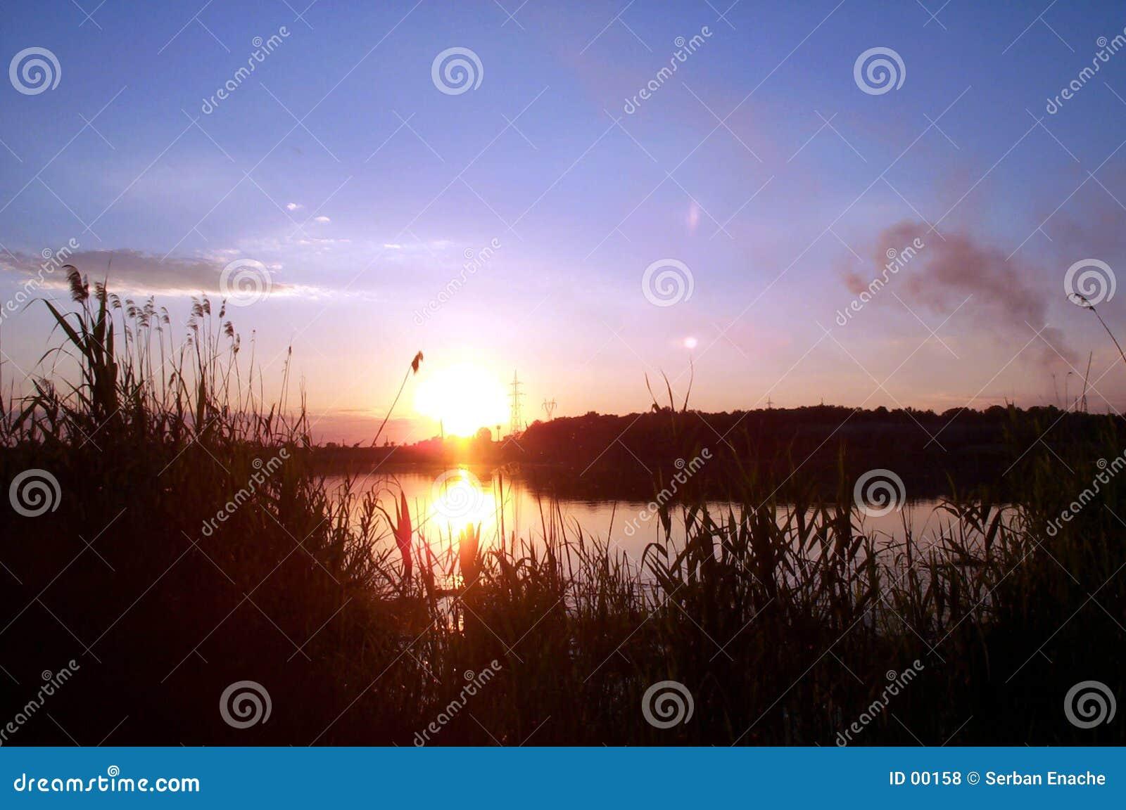 2个湖日落