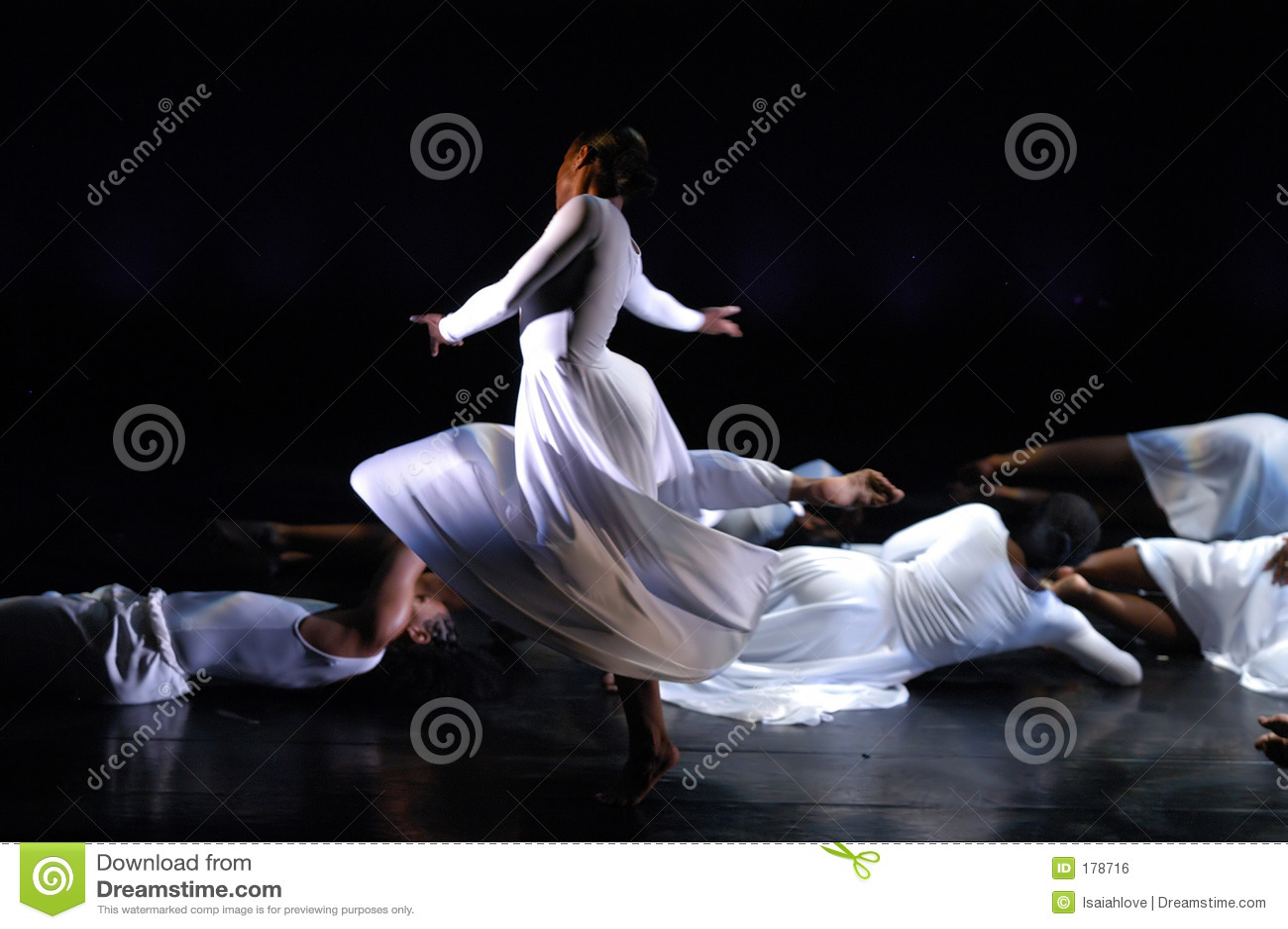 2个舞蹈现代性能