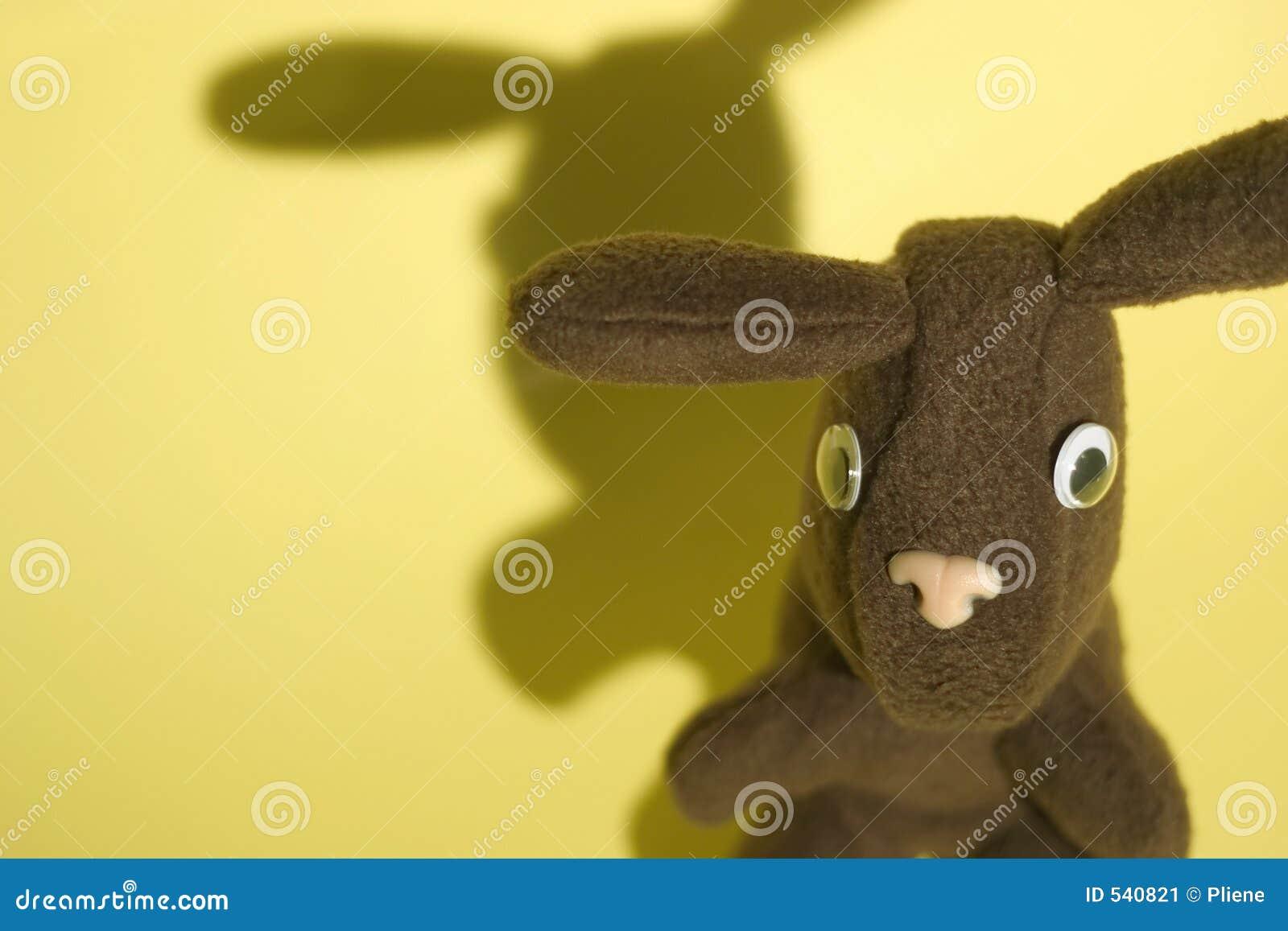 Download 2只兔子黄色 库存图片. 图片 包括有 耳朵, 兔宝宝, 复活节, 庭院, 子项, 圣诞节, 充塞, 玩具, 影子 - 540821