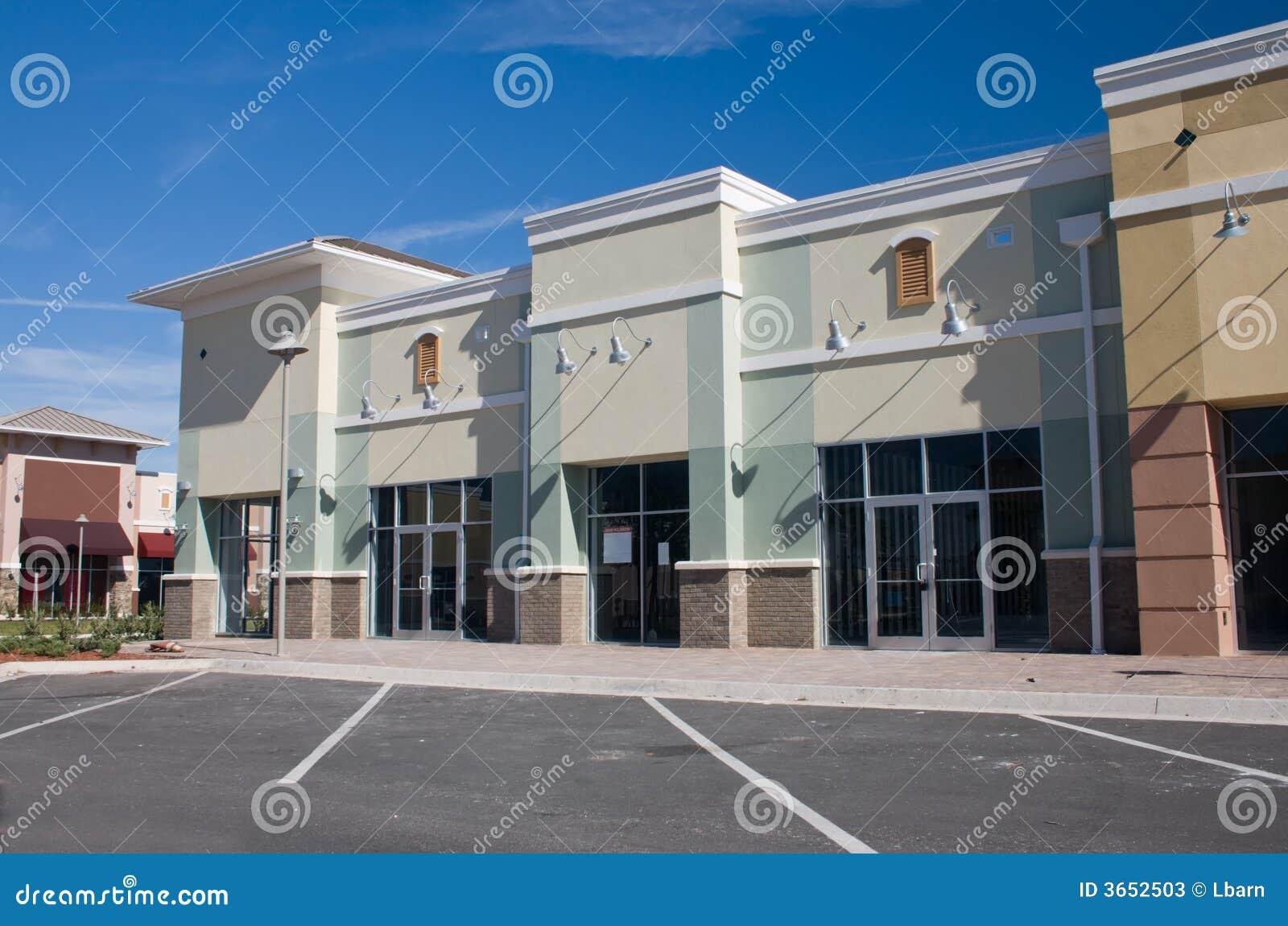 2商务购物中心柔和的淡色彩