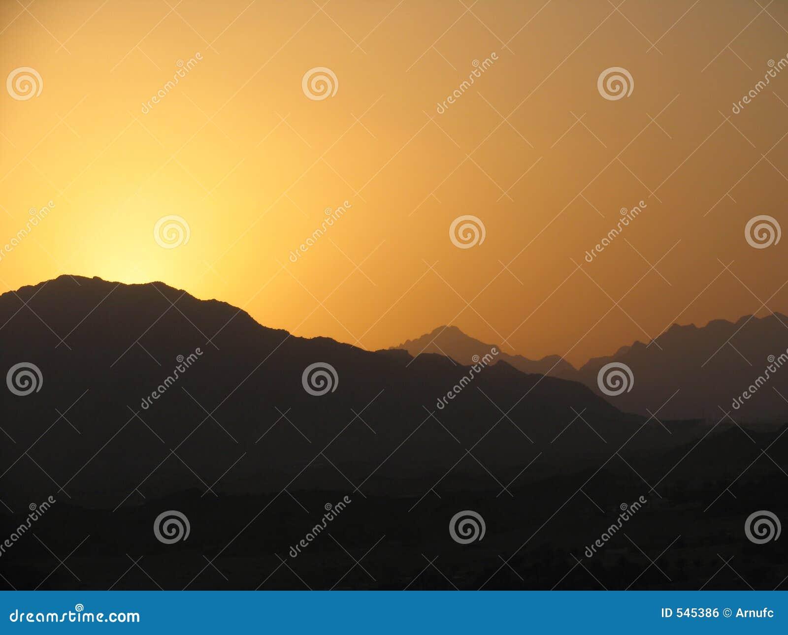 Download 2日落 库存照片. 图片 包括有 中间, beautifuler, 酋长管辖区, arabel, 团结, 日落 - 545386