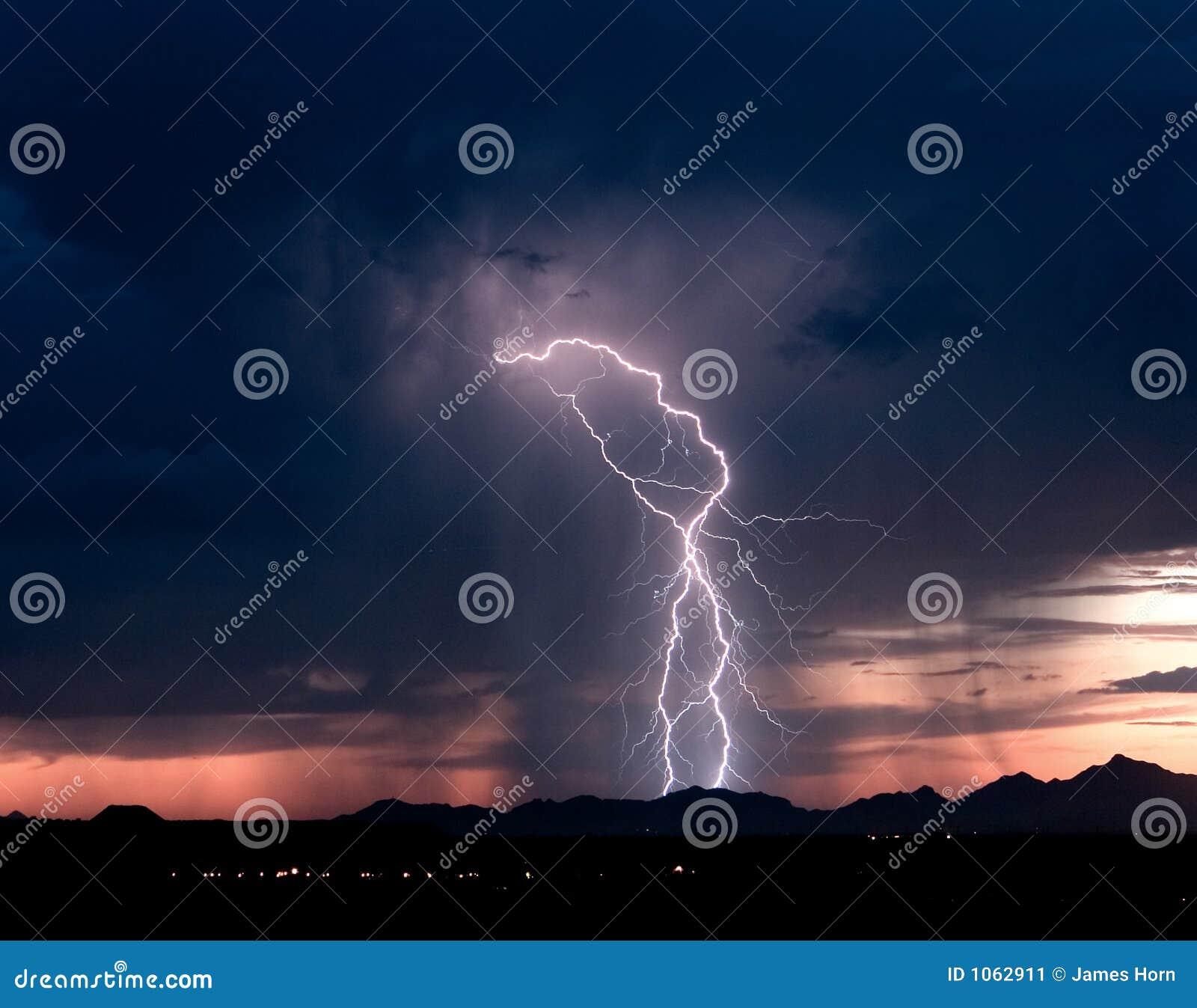 2道闪电roskruge日落