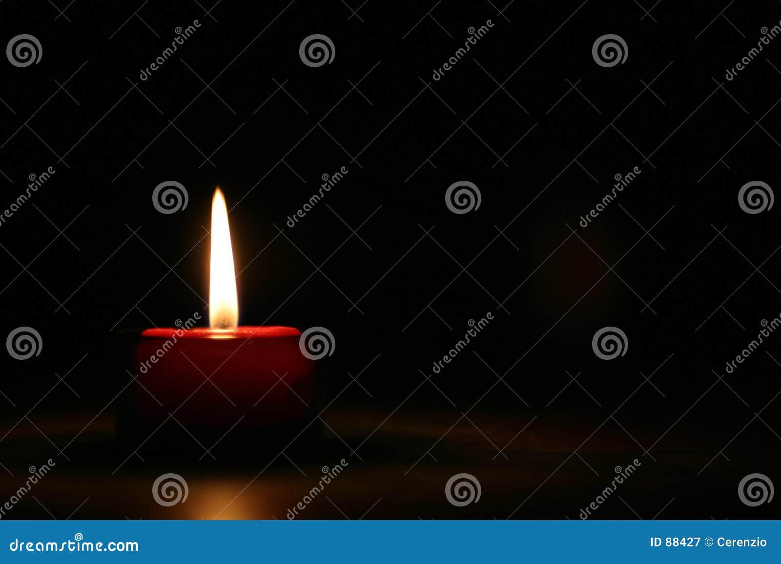 2 świeczek czerwony