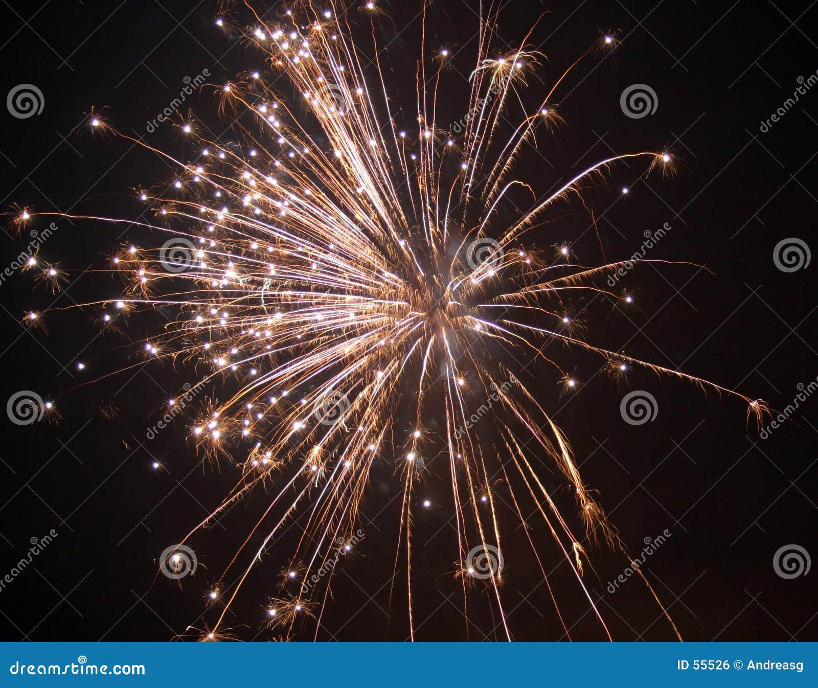 Download 2 πυροτεχνήματα στοκ εικόνες. εικόνα από νύχτα, εμφανίστε - 55526