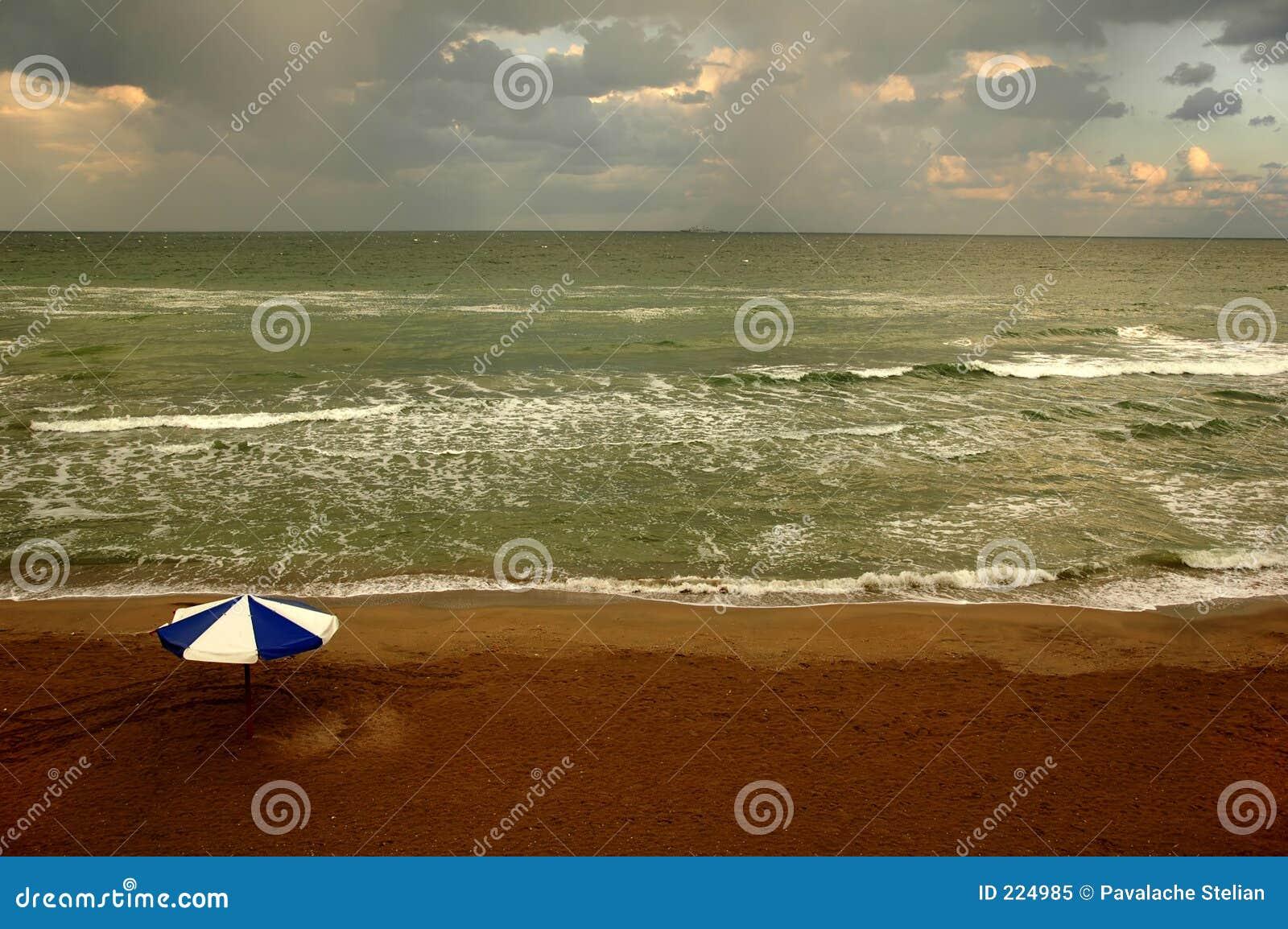 2 облака пляжа