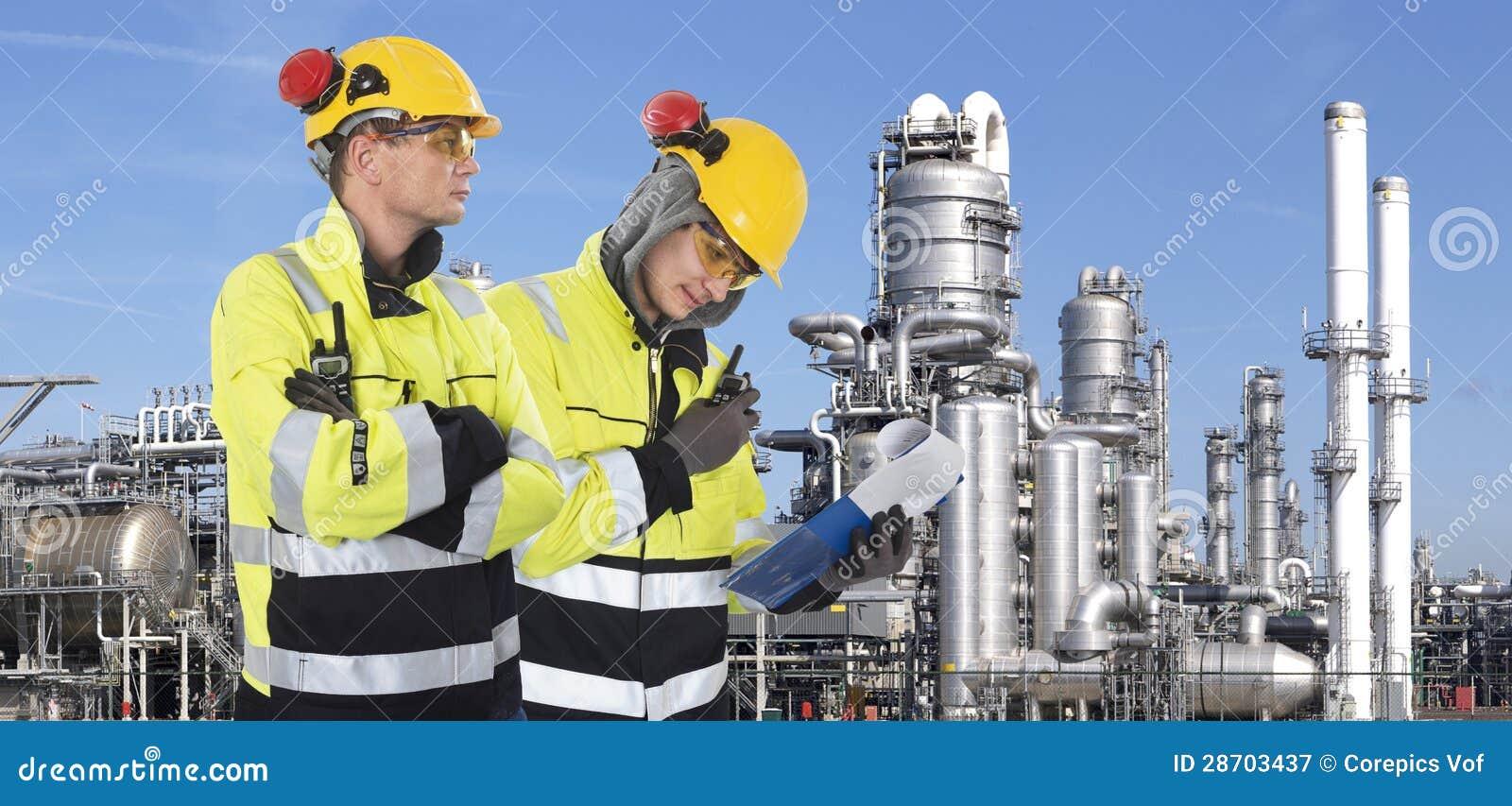2 промышленных предохранителя