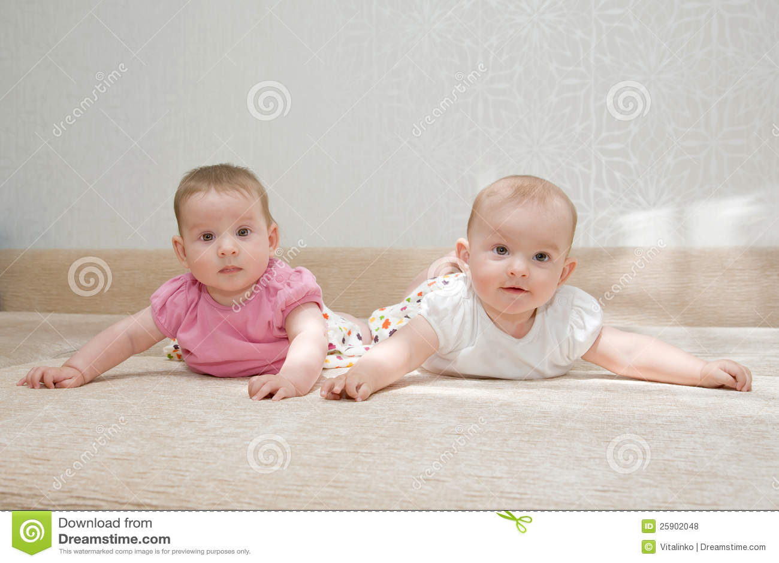 2 сестры, твиновские ребёнки