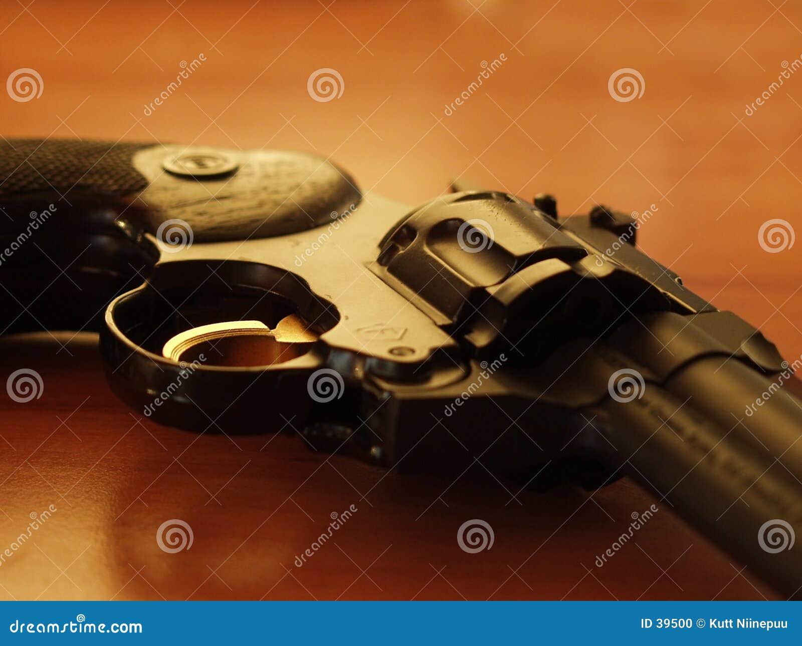 2左轮手枪