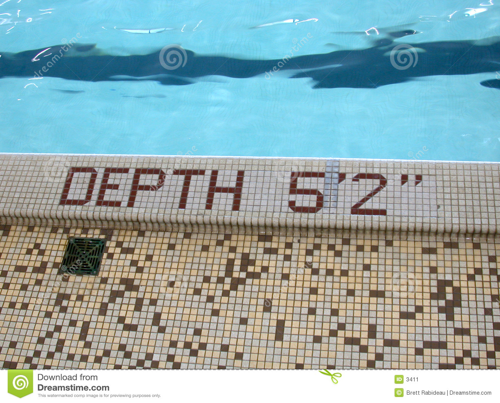 2 5蓝色深度英尺池