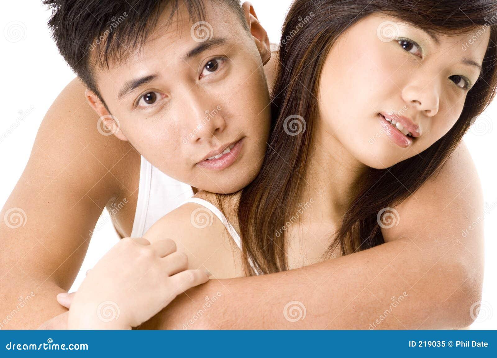 2 asiatiska par