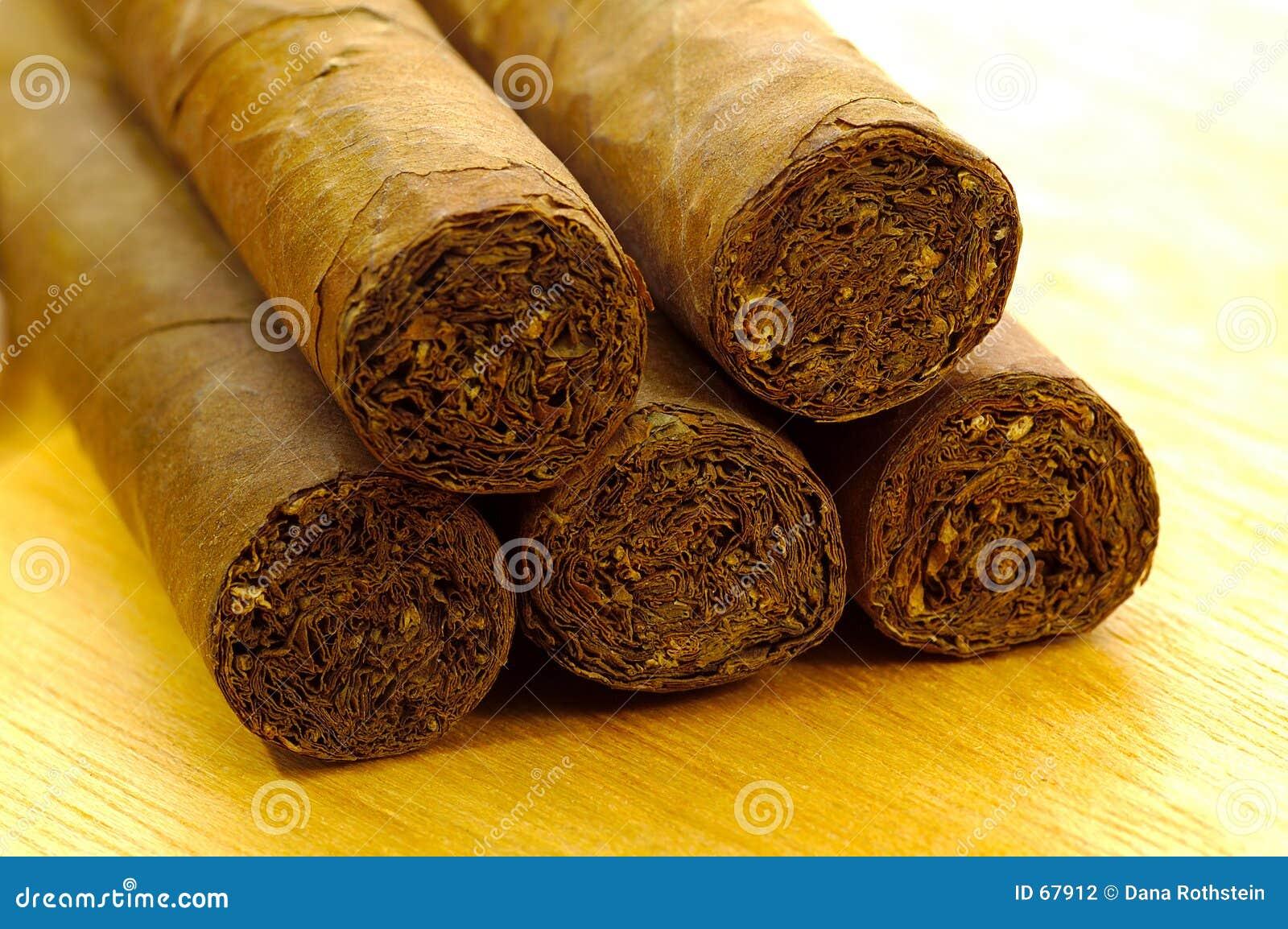 2 cigarrer
