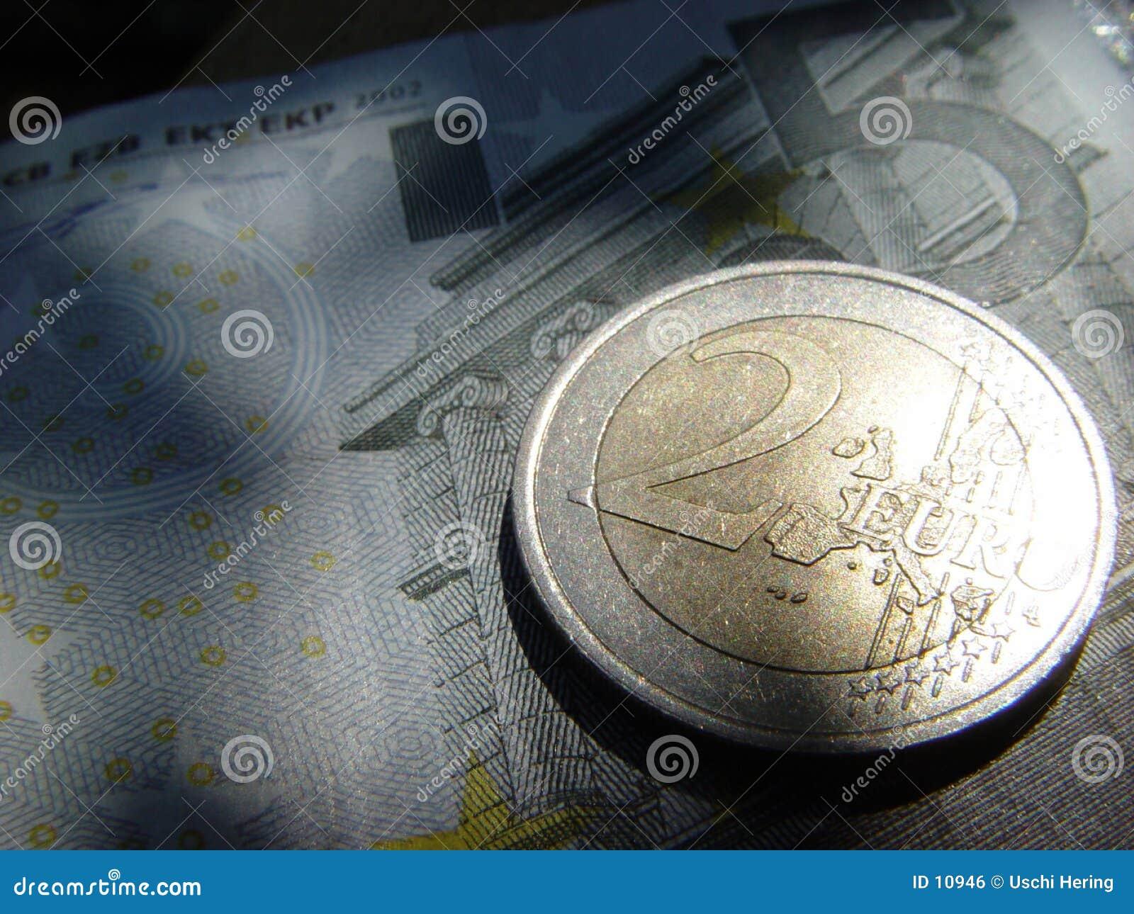 2 euro więcej