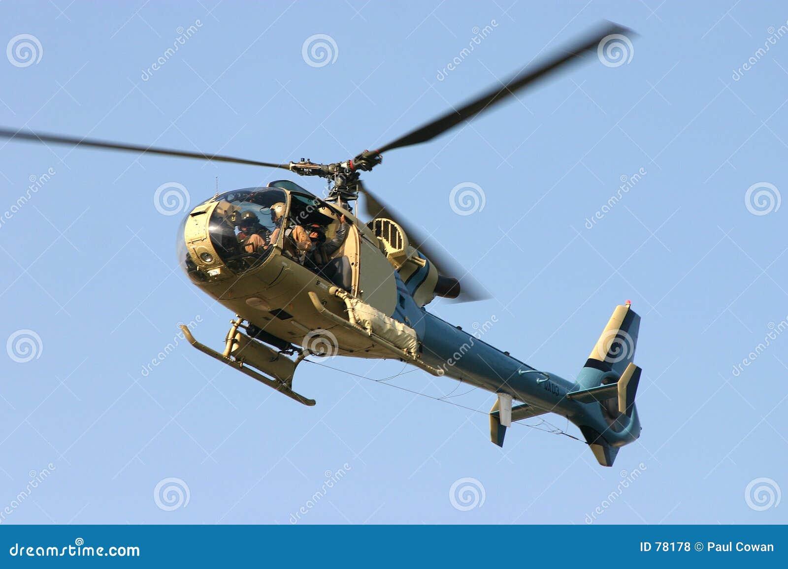 2 helikopter