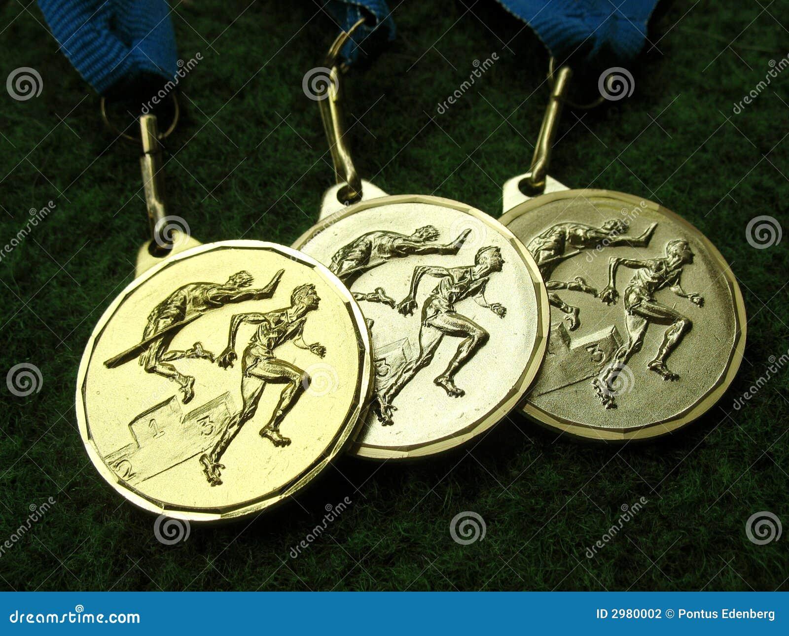 2 medalu