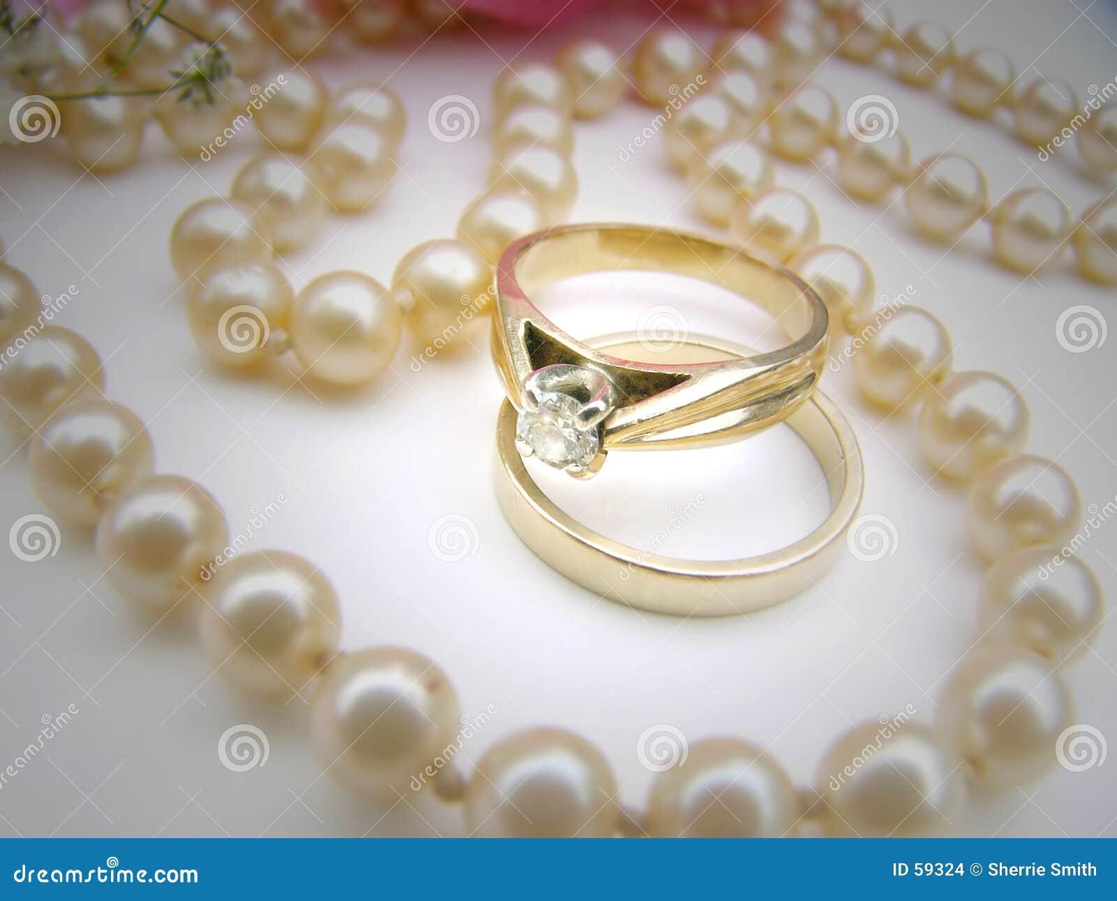 2 pierścionka