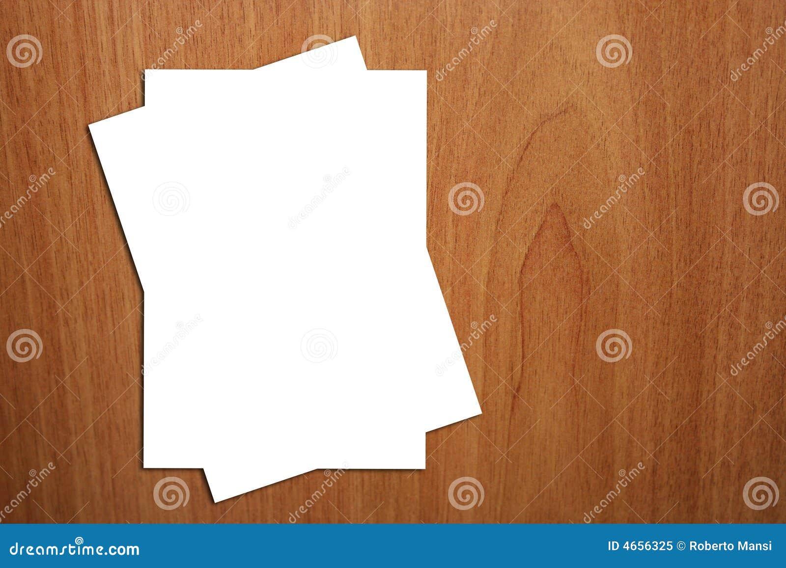 A 2 strony białego tła drewna