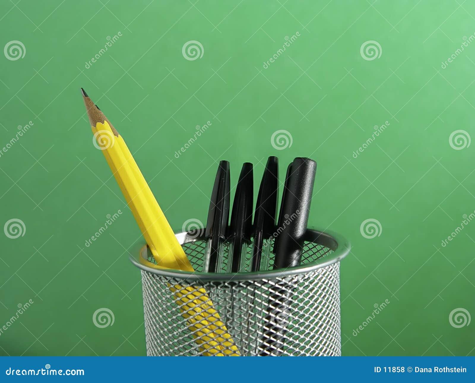 2 właścicieli długopisy ołówek
