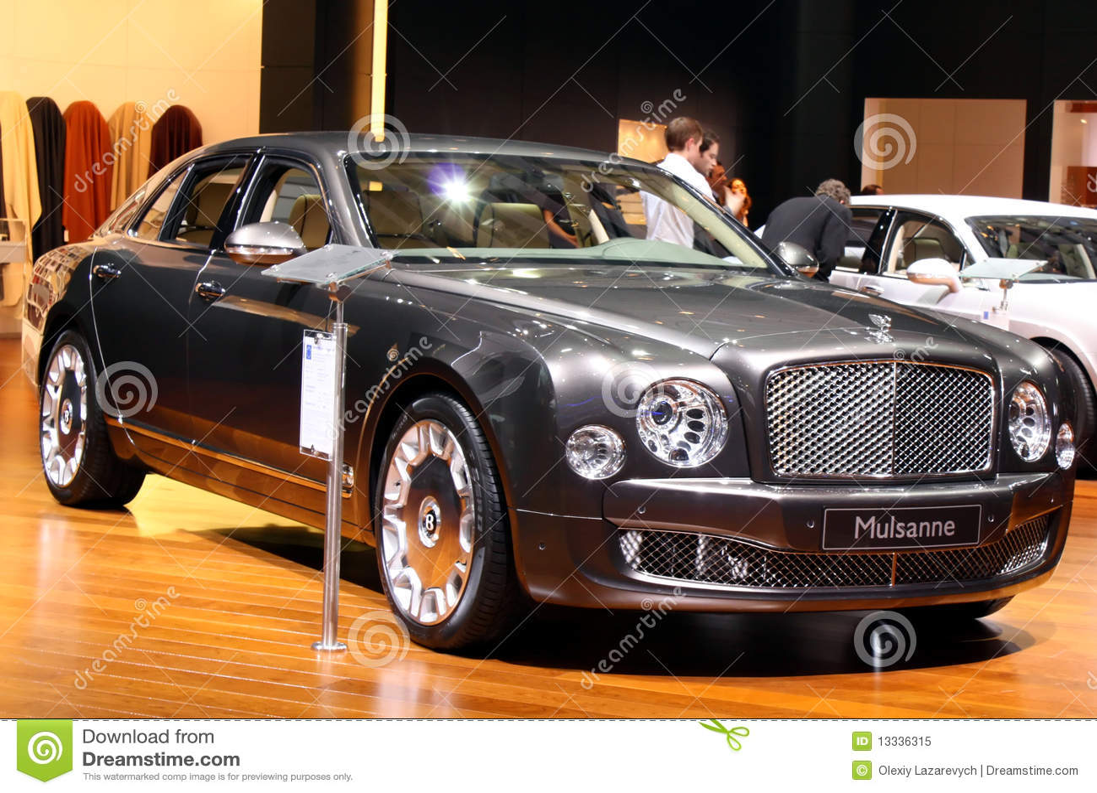 2010 bentley Geneva motorowy mulsanne przedstawienie