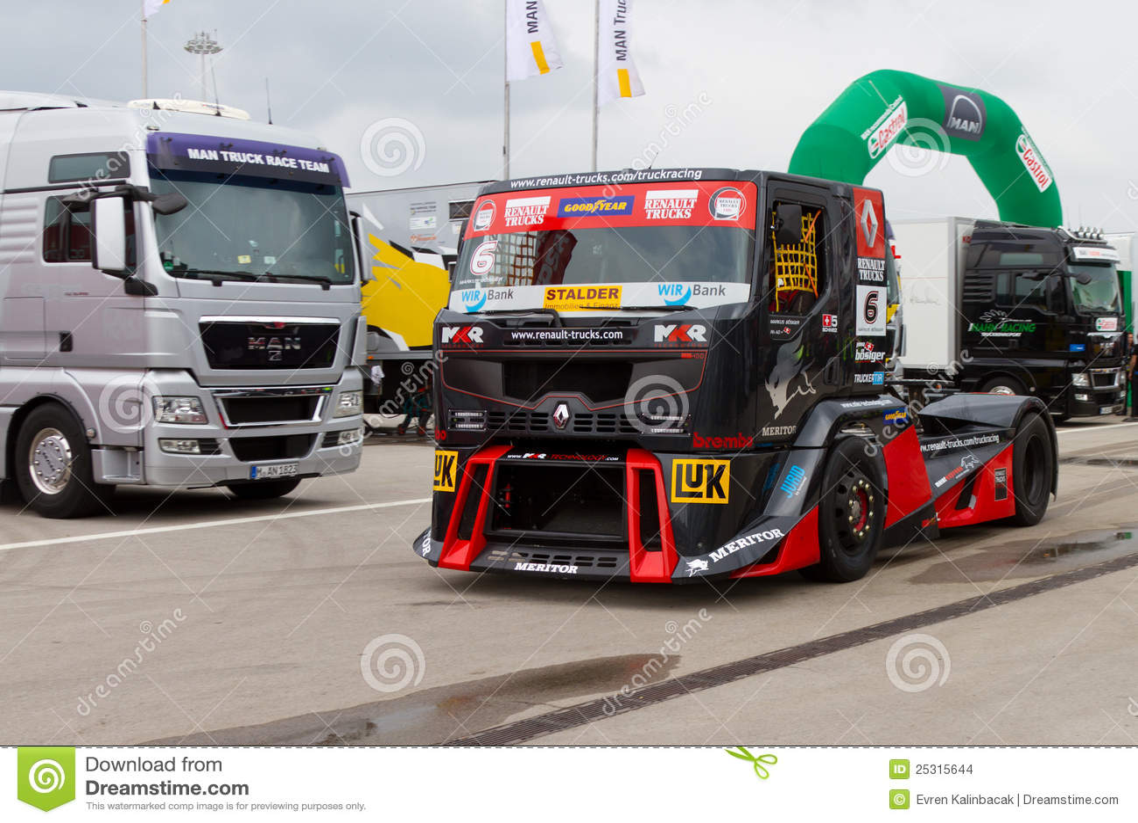 2012 fia european truck racing championship editorial for Credit garage renault