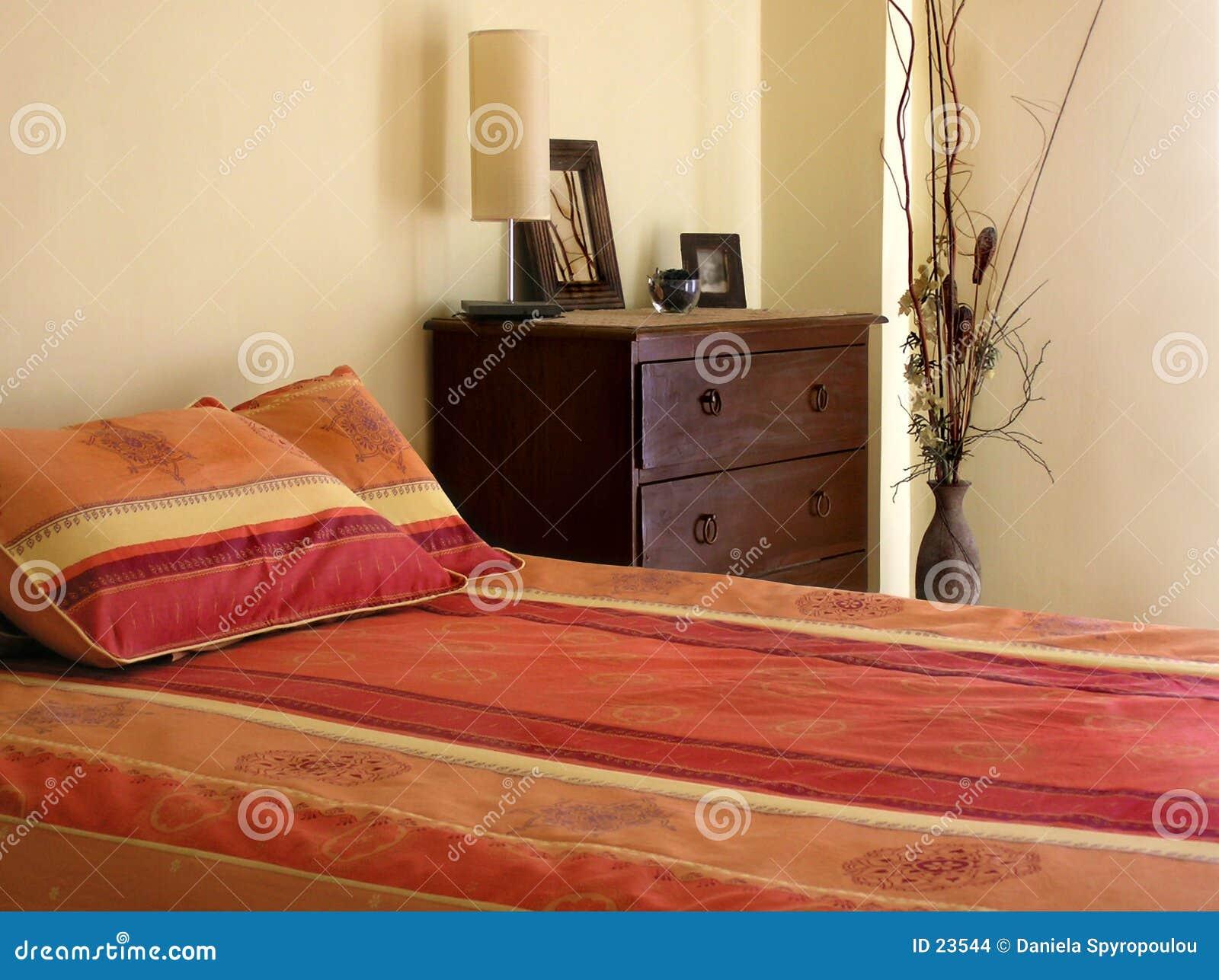 Download 卧室 库存照片. 图片 包括有 设计, 颜色, 盖子, 五颜六色, 内部, 枕头, bedaub - 23544