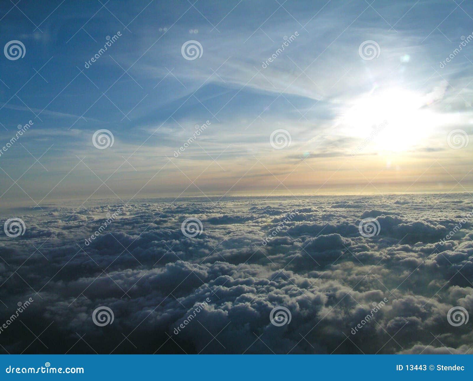 在云彩之上