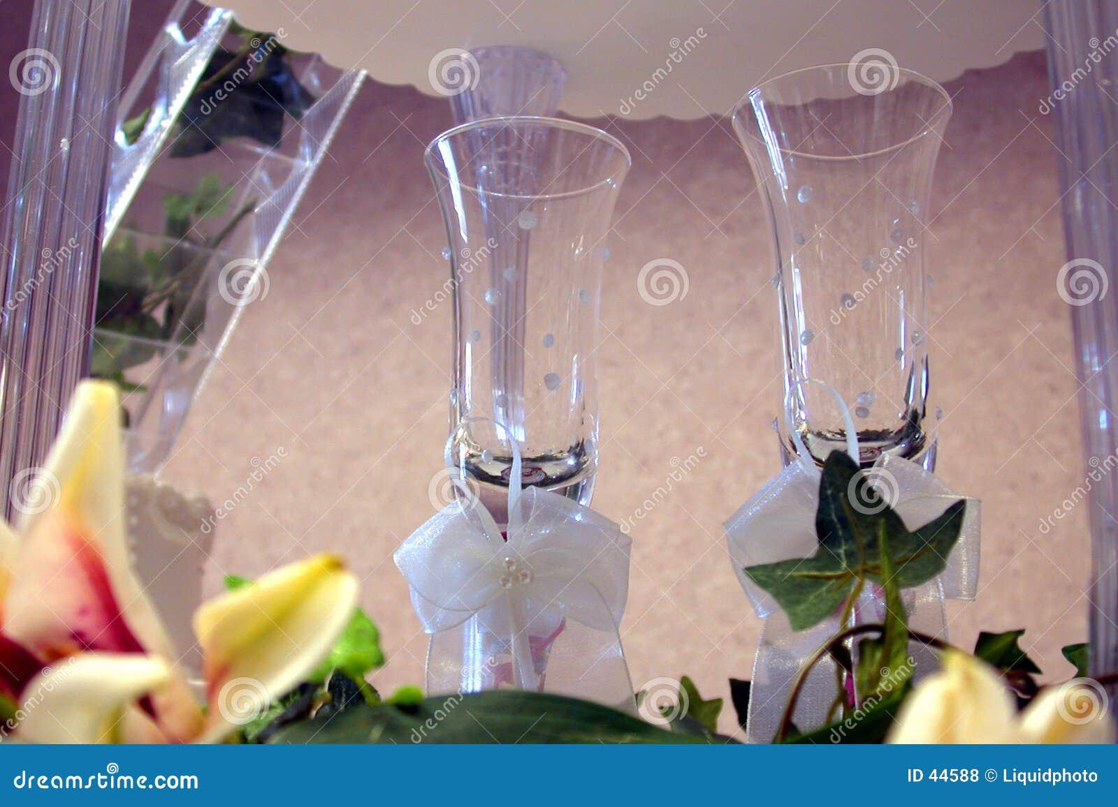 婚姻香槟的玻璃