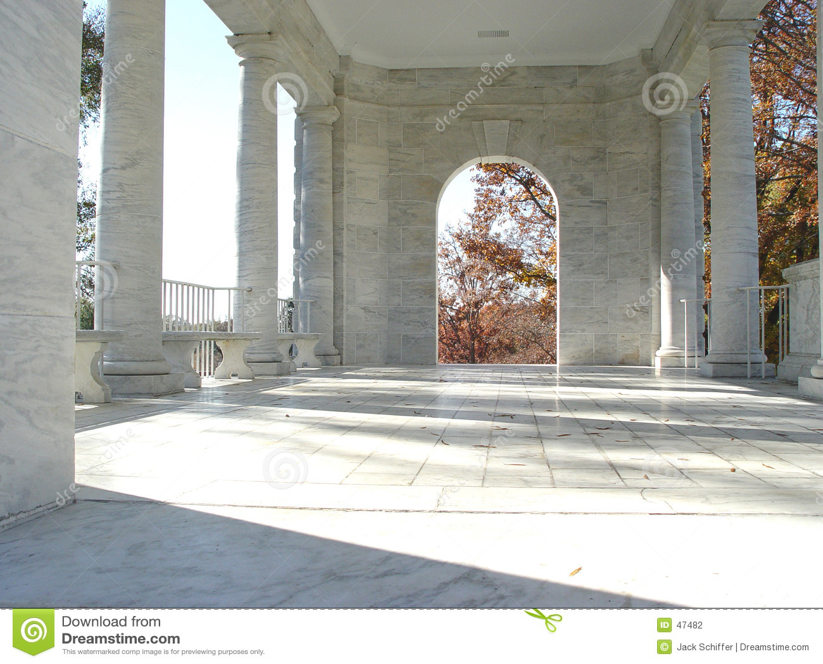 Download 心房 库存照片. 图片 包括有 柱子, 空白, 大理石, 经典, 影子, 墓地, 纪念 - 47482