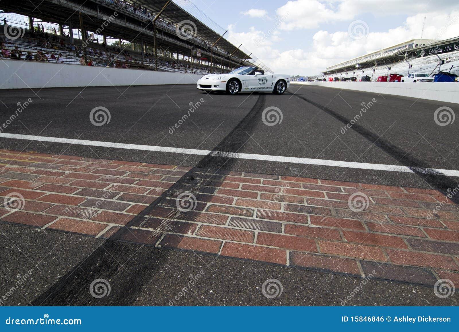 25 400 brickyard Lipiec nascar