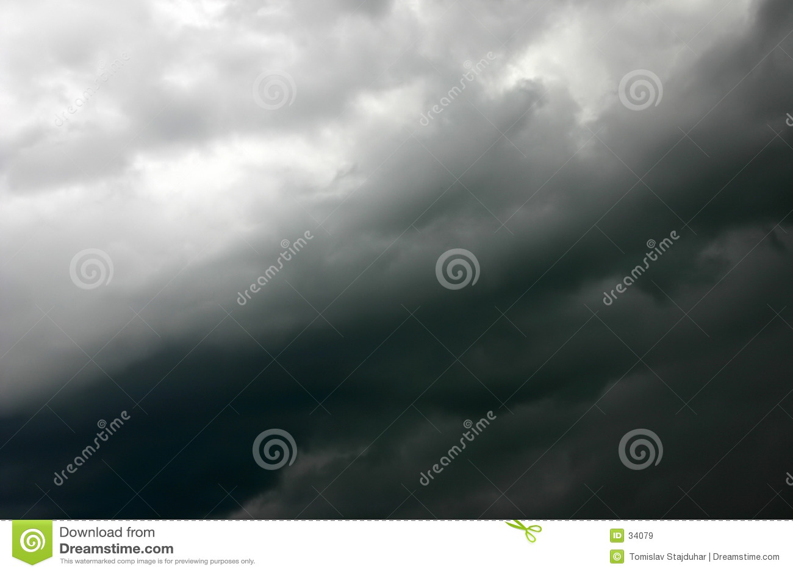 柔滑的天空风暴