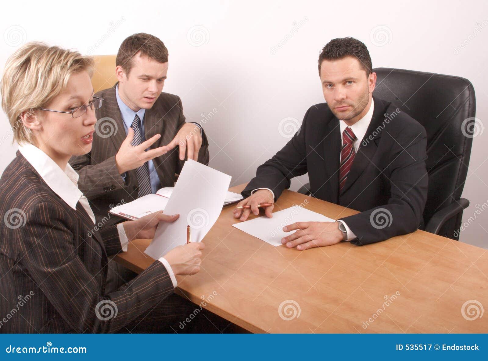Download 3个业务会议人员 库存图片. 图片 包括有 讨论, 姿态, 总公司, 英俊, 成人, 任命的, 学院, 辩论 - 535517