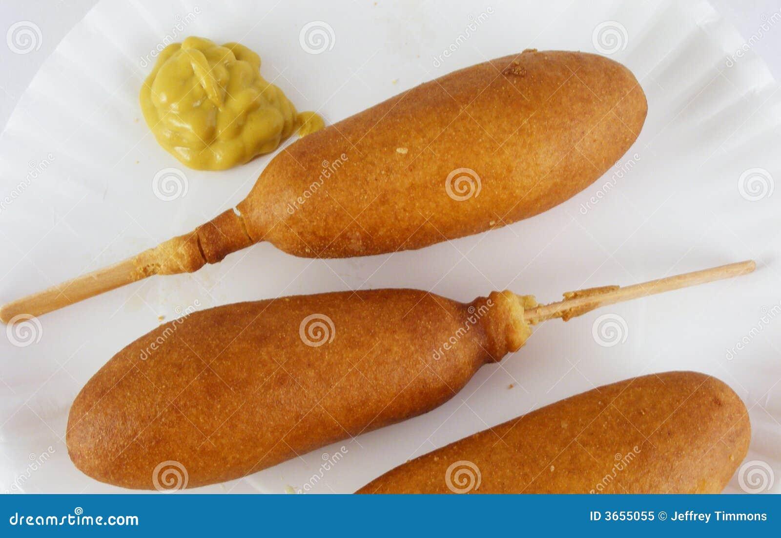 3个玉米面热狗