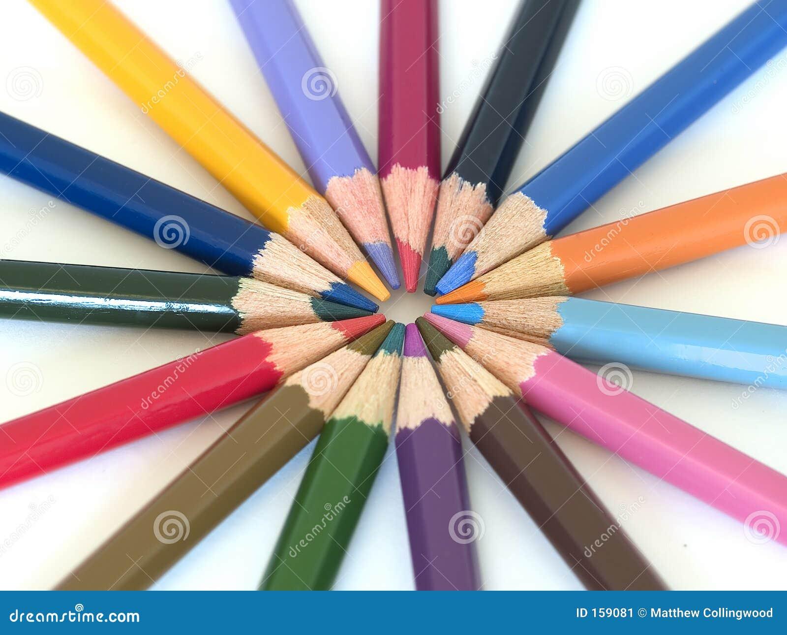 3只蜡笔铅笔