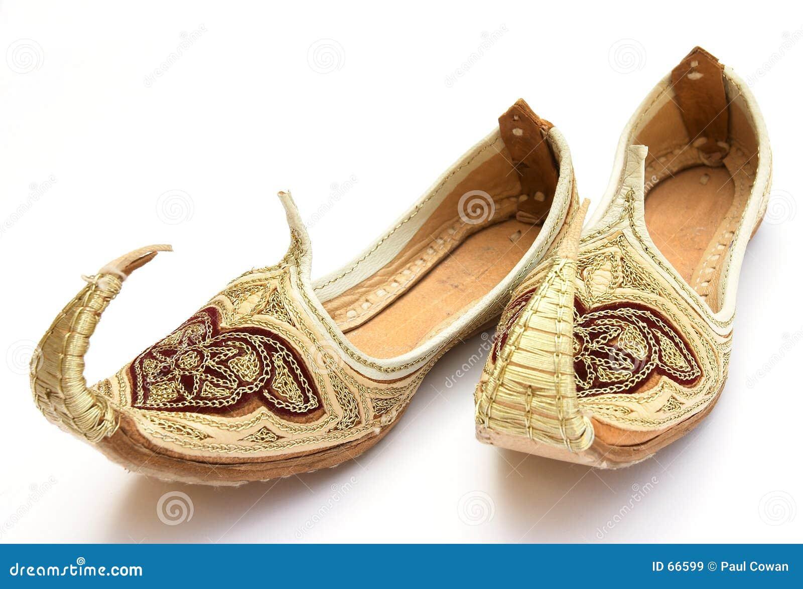 3 αραβικά παπούτσια