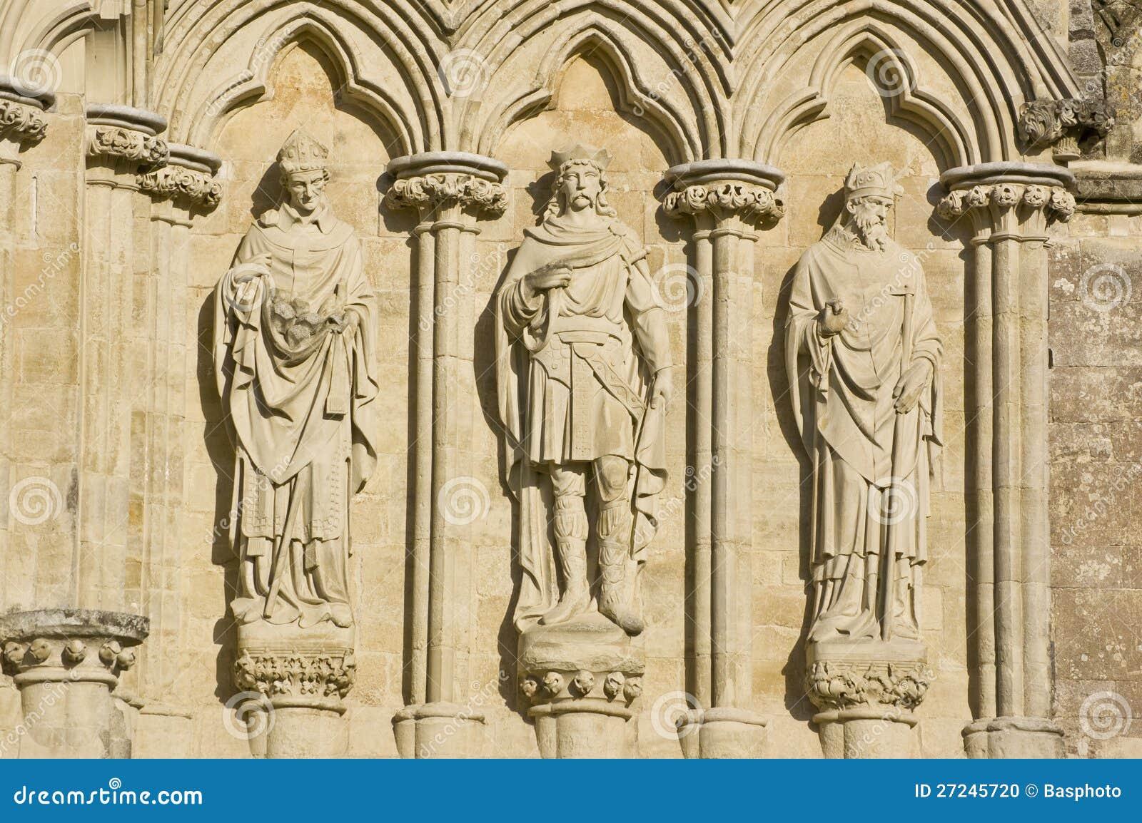 3 английских Saints, собор Солсбери