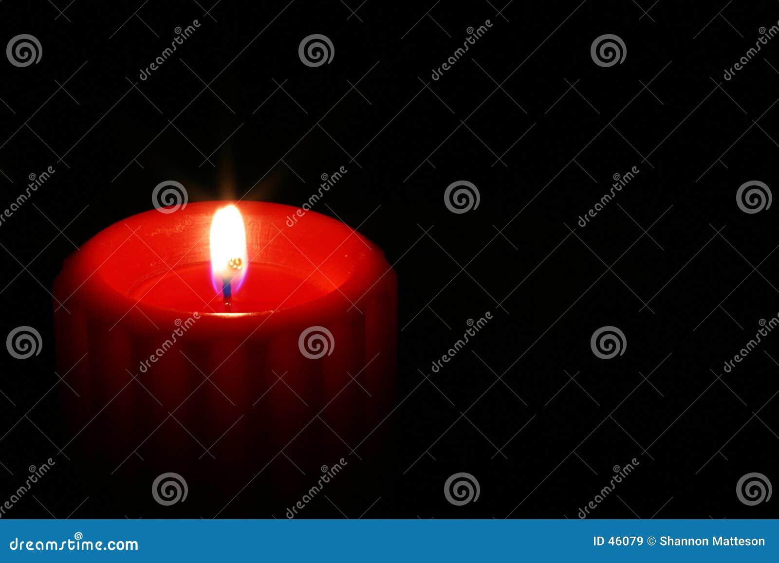 3个蜡烛红色
