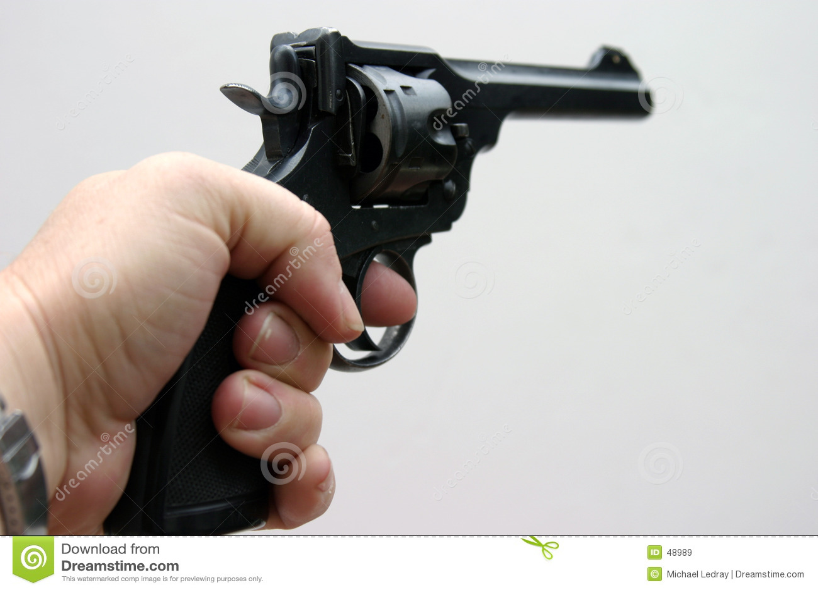 3 cale 45 pistolet