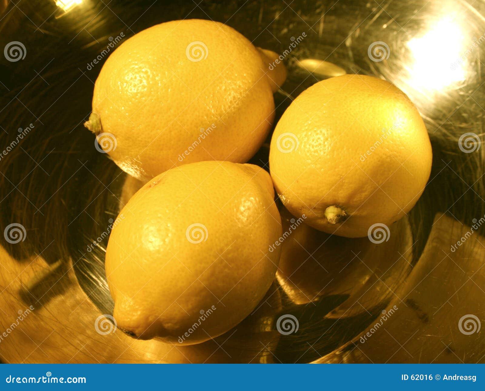 3 limões