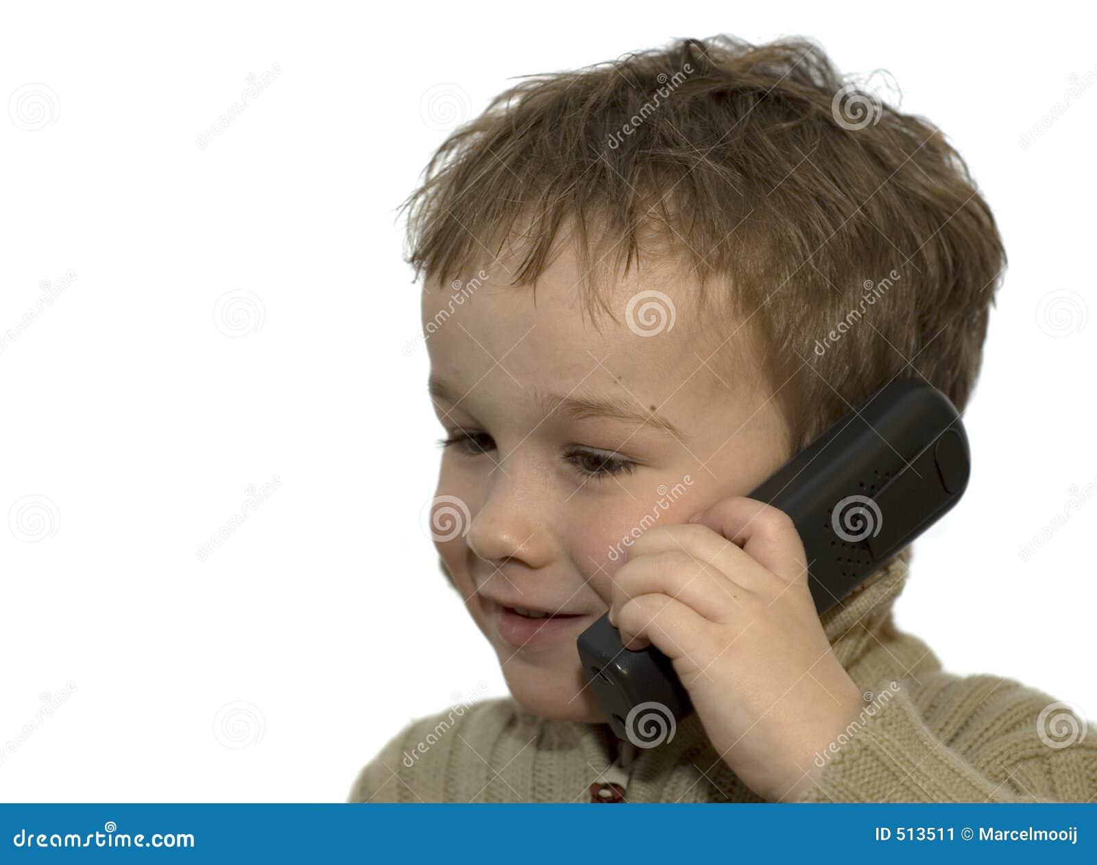 3 pojketelefonbarn