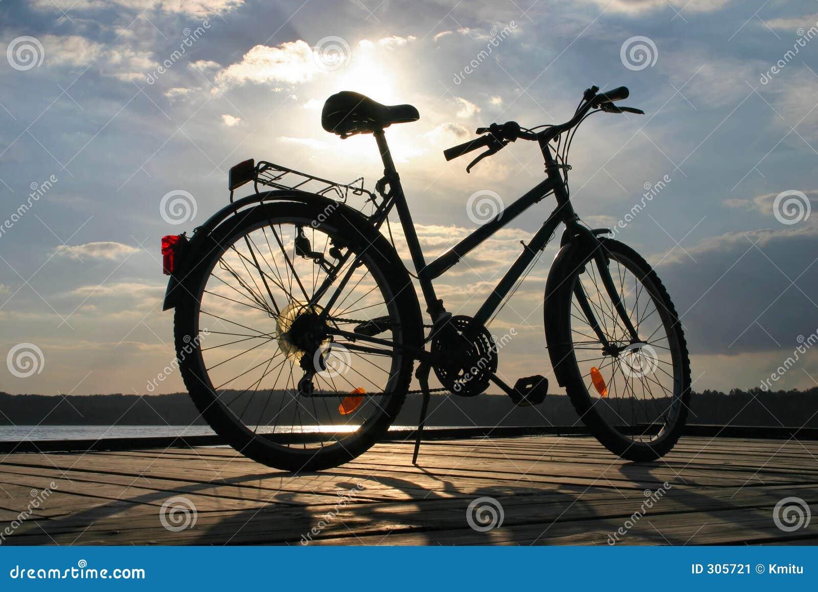 3 rowerów zakończenia podróży