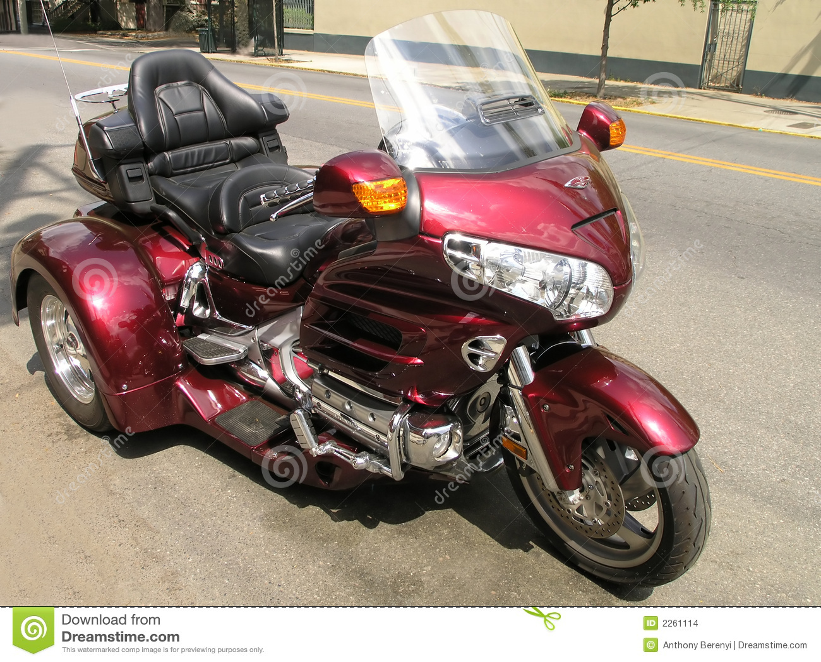 3 wheel motorbike