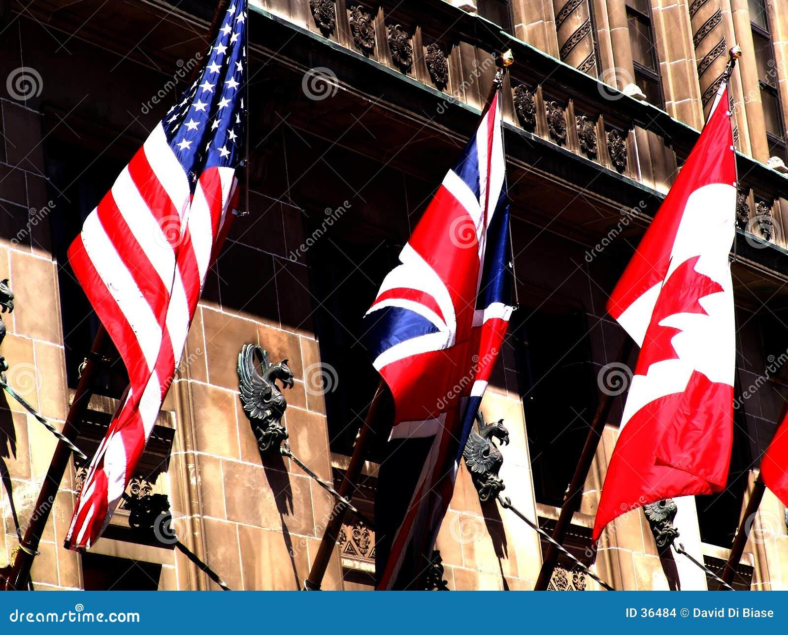 Download 3 wielkiej flagi zdjęcie stock. Obraz złożonej z narody - 36484