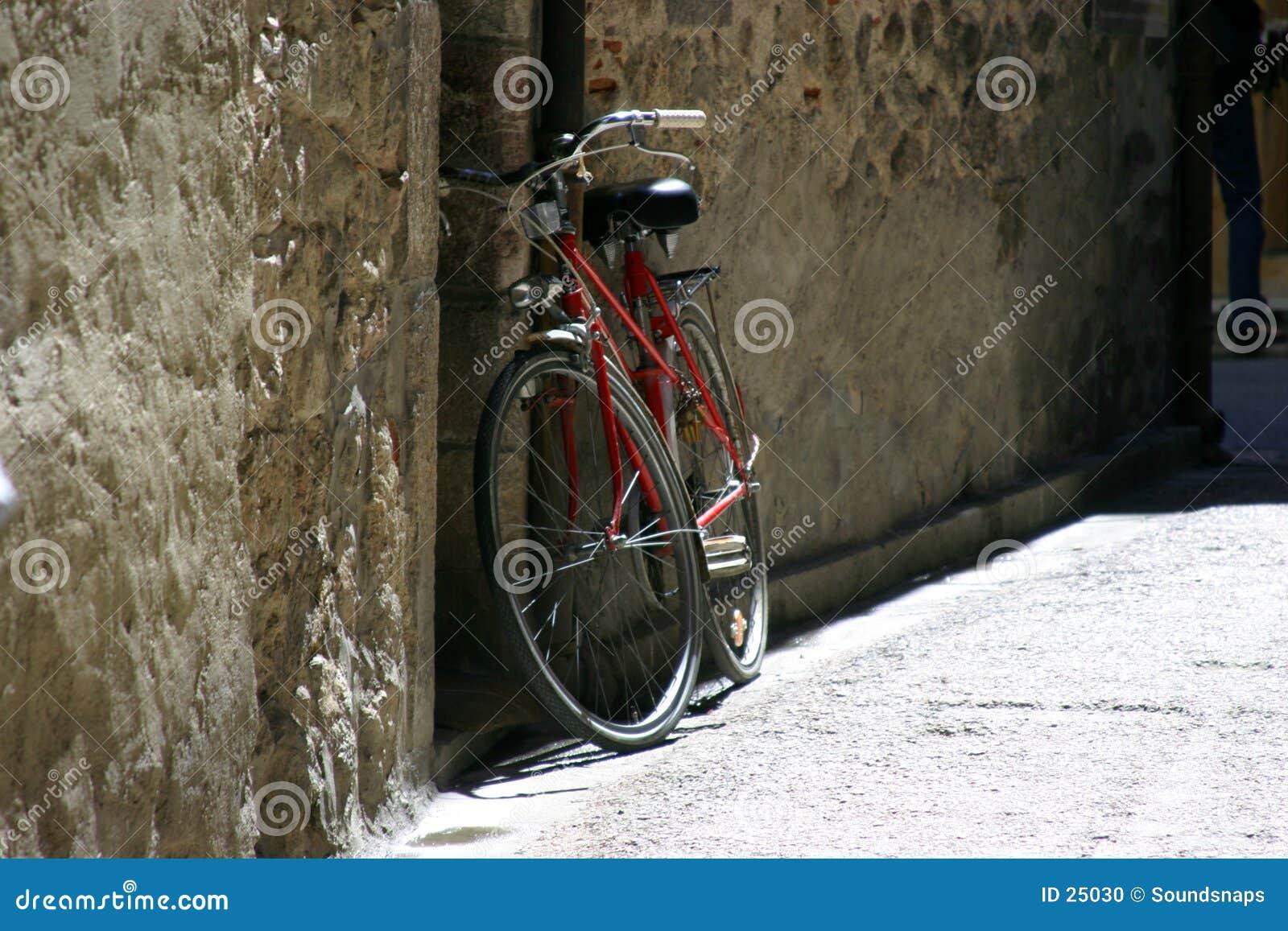 自行车准备好等待